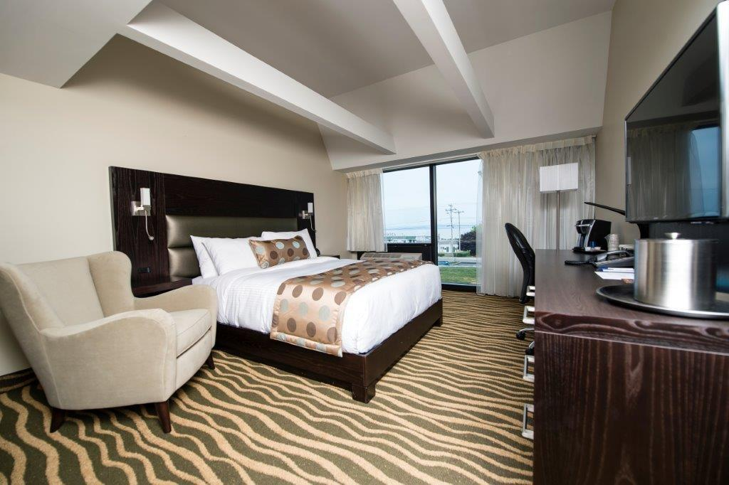 Best Western Plus Hotel Levesque à Riviere-du-Loup: King Guest Room with Park View