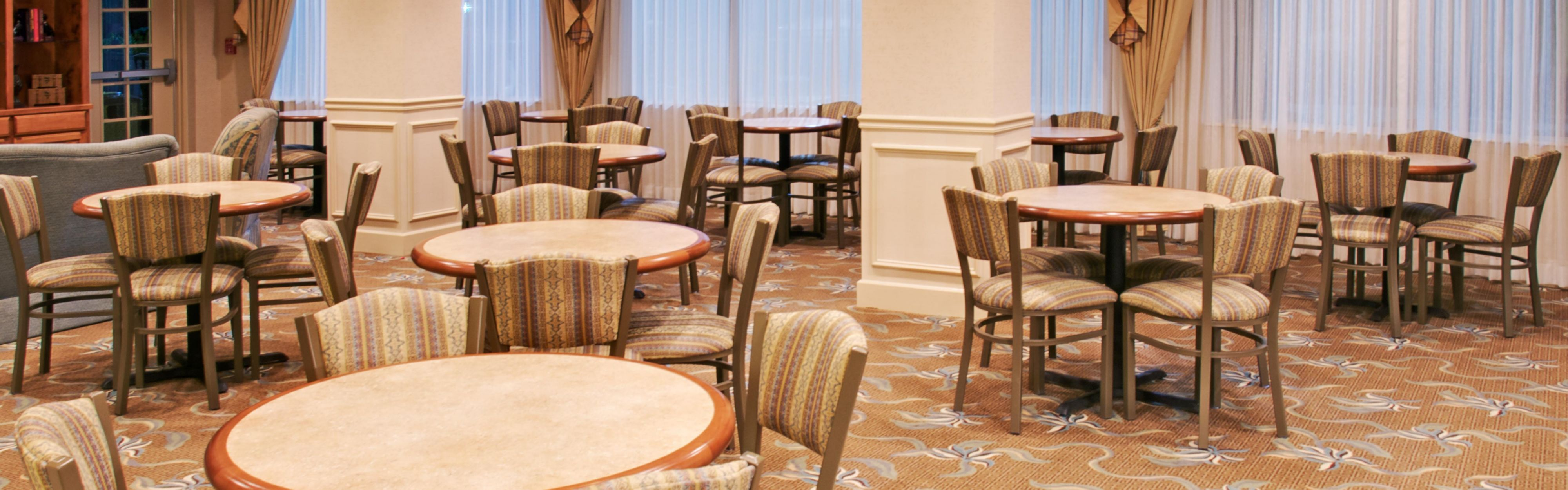 Holiday Inn Express & Suites Jasper image 3