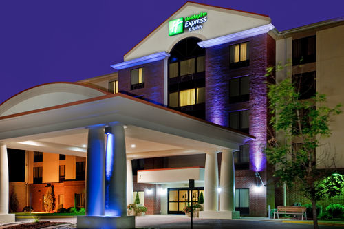 Holiday Inn Express & Suites Chesapeake image 0