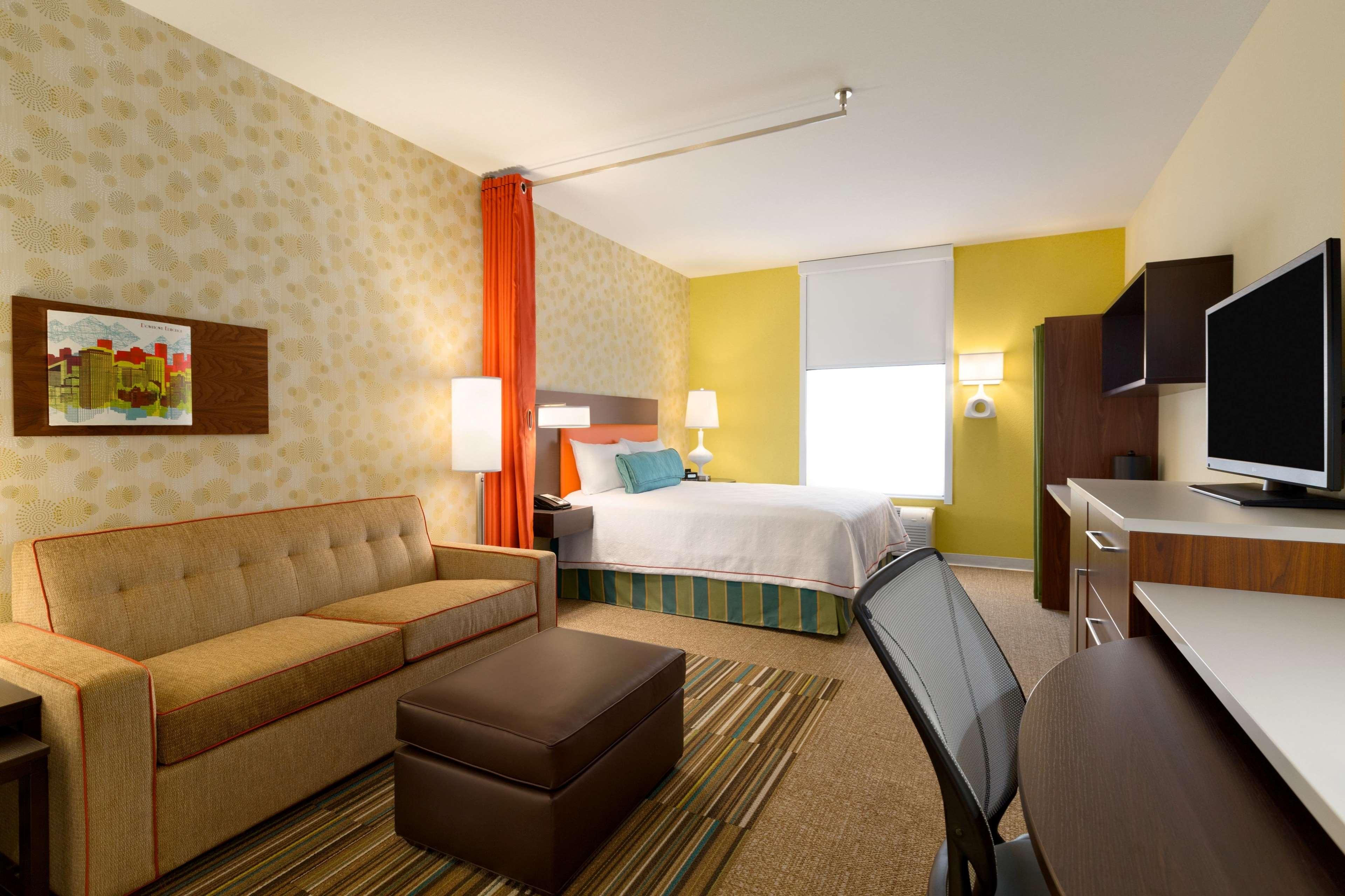 Home2 Suites by Hilton West Edmonton, Alberta, Canada à Edmonton: 1 Queen Studio Suite