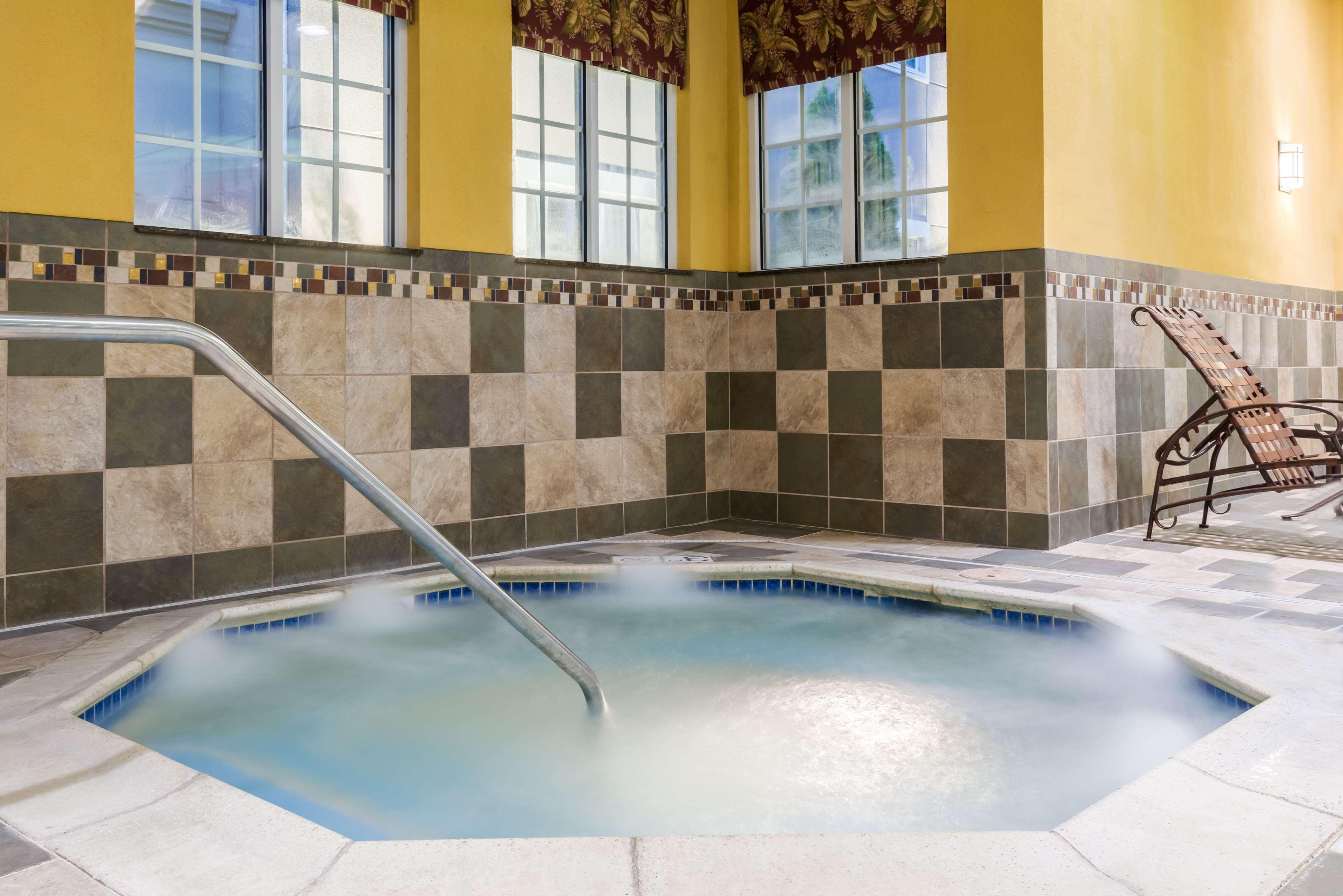 Homewood Suites by Hilton Holyoke-Springfield/North image 0
