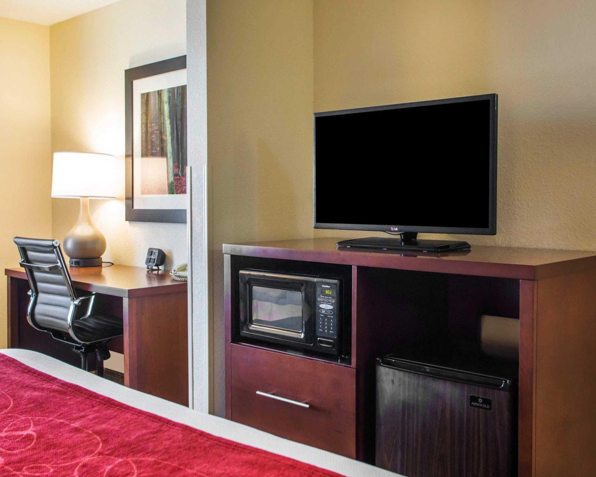 Comfort Suites Columbus West- Hilliard image 7
