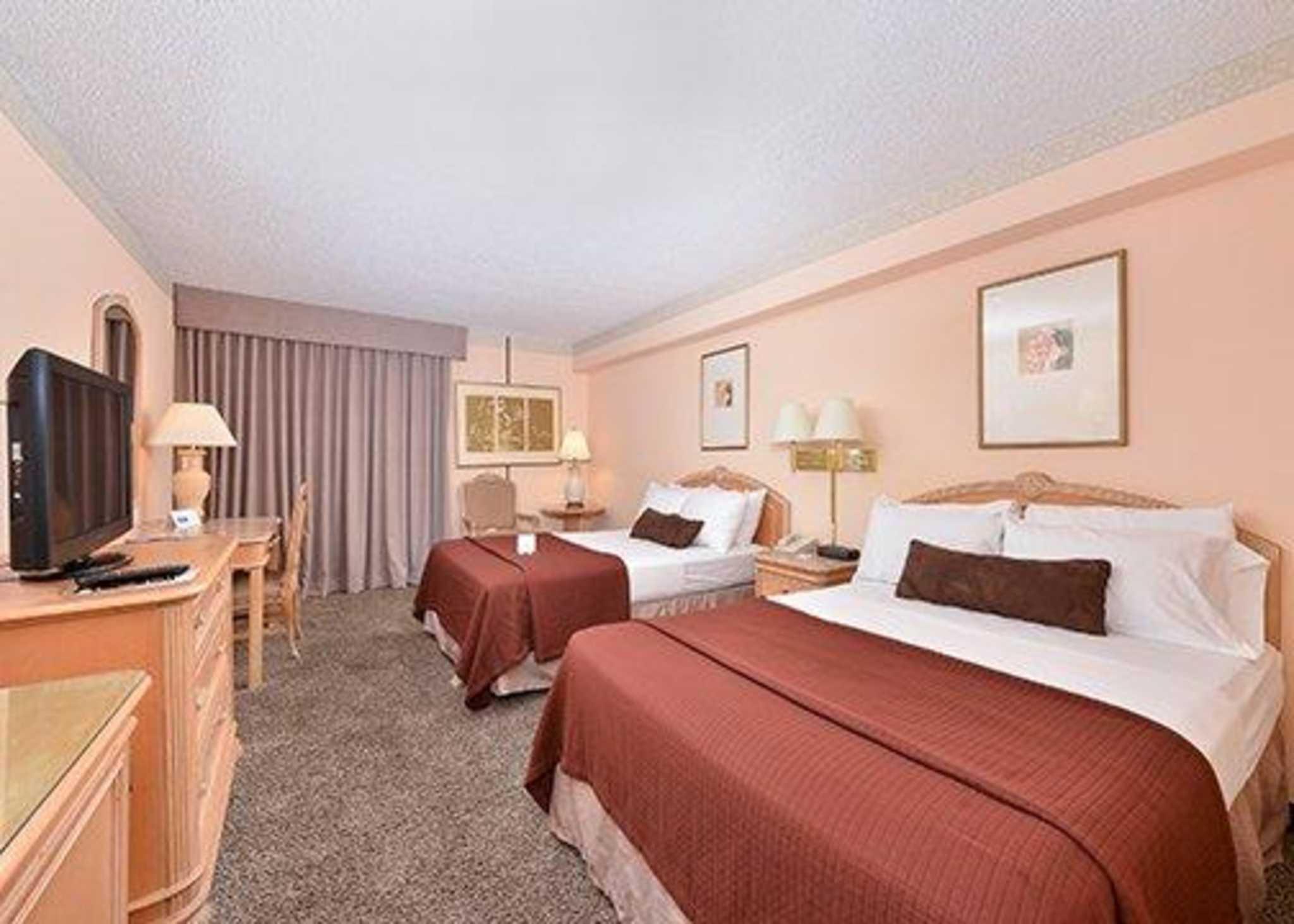 Rodeway Inn image 12