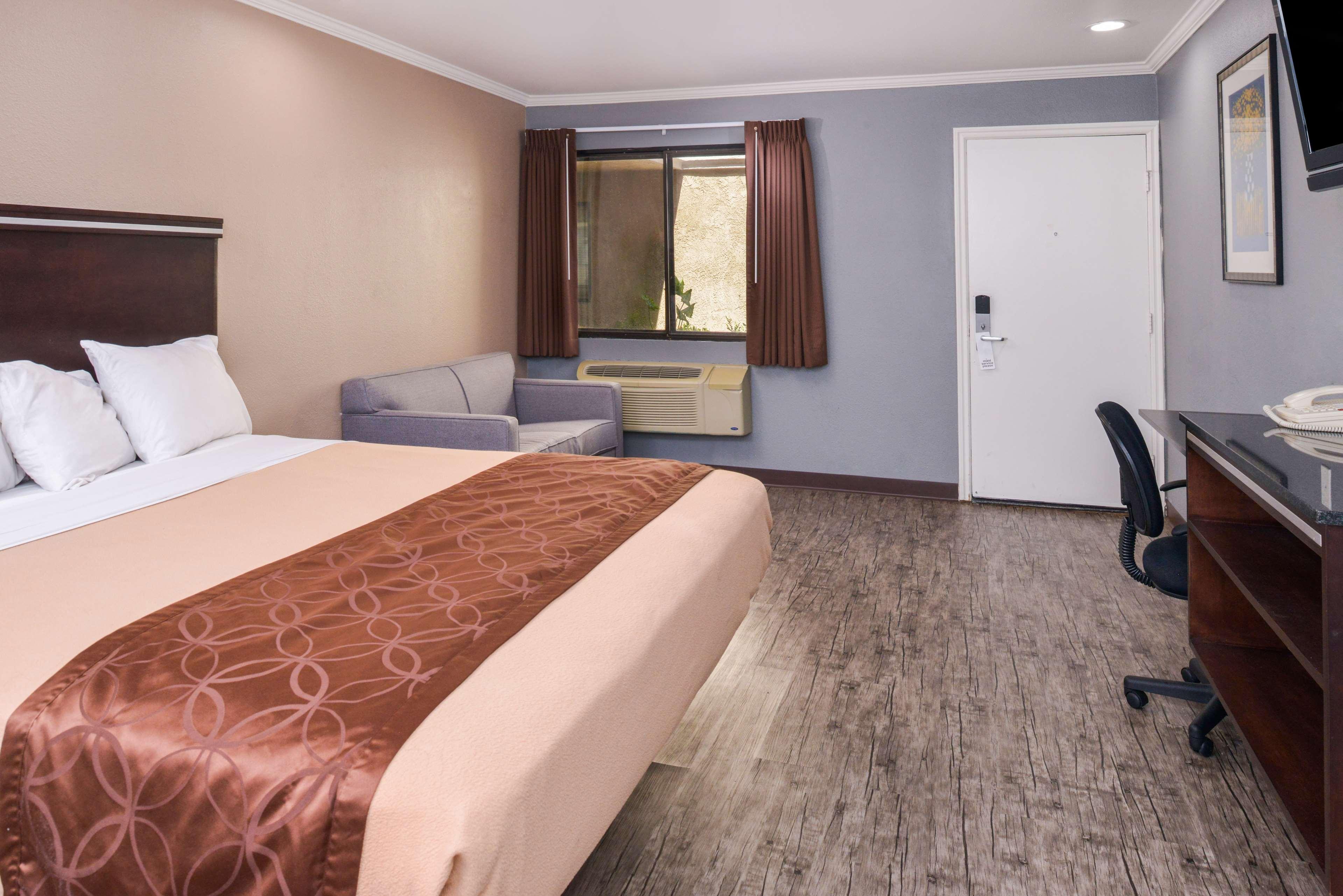 Americas Best Value Laguna Inn & Suites image 7