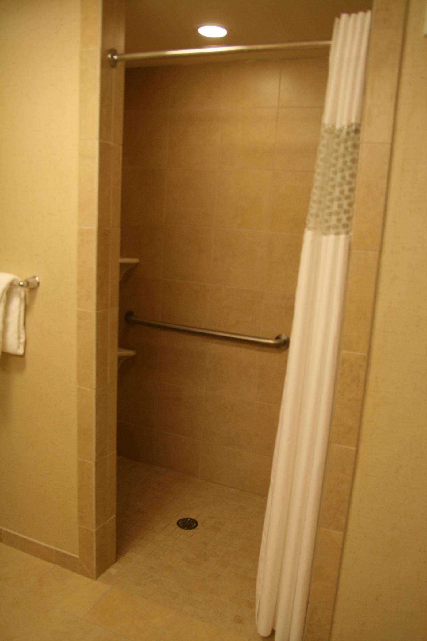 Hampton Inn & Suites Riverton image 48