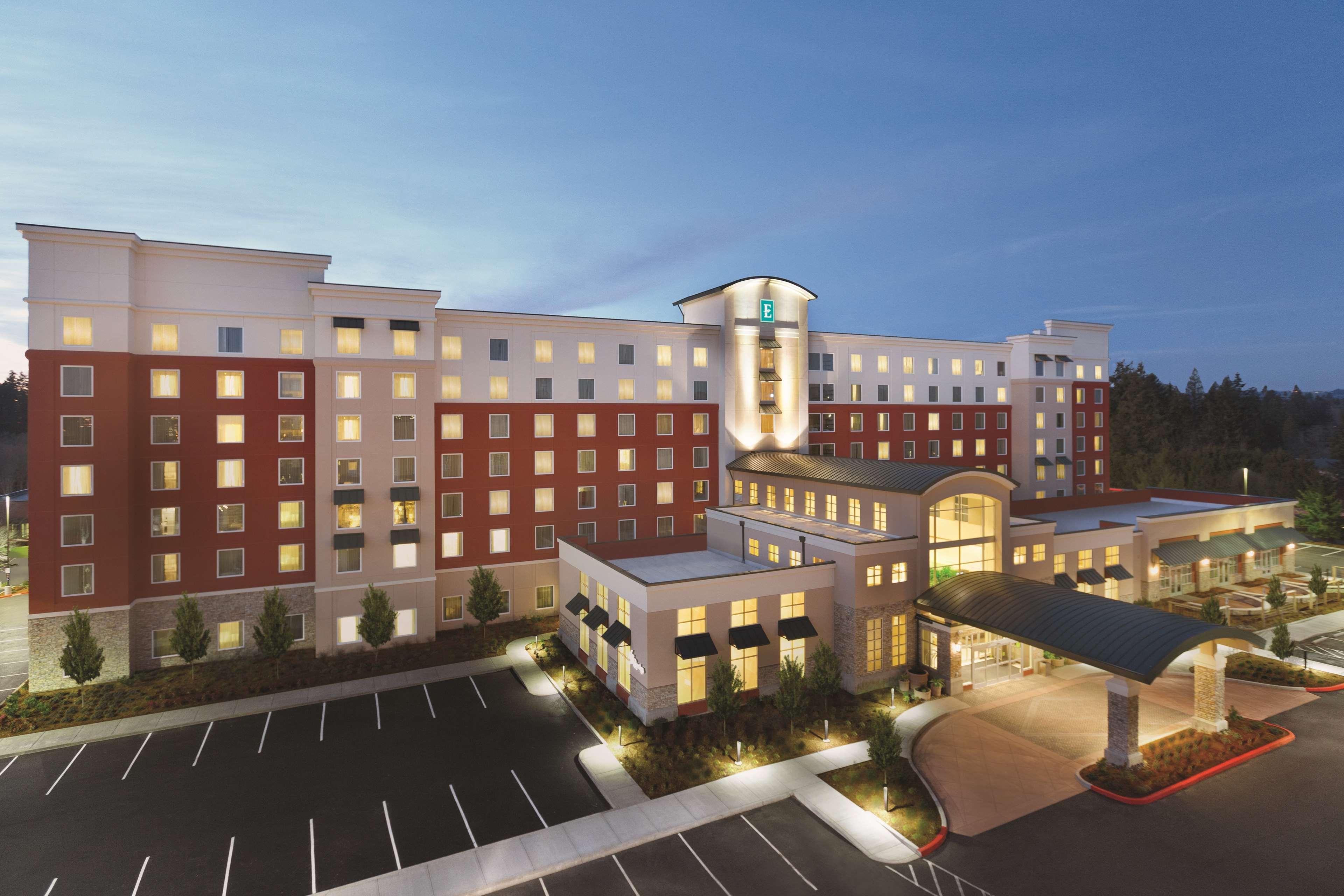 Embassy Suites by Hilton Portland Hillsboro, Oregon image 2