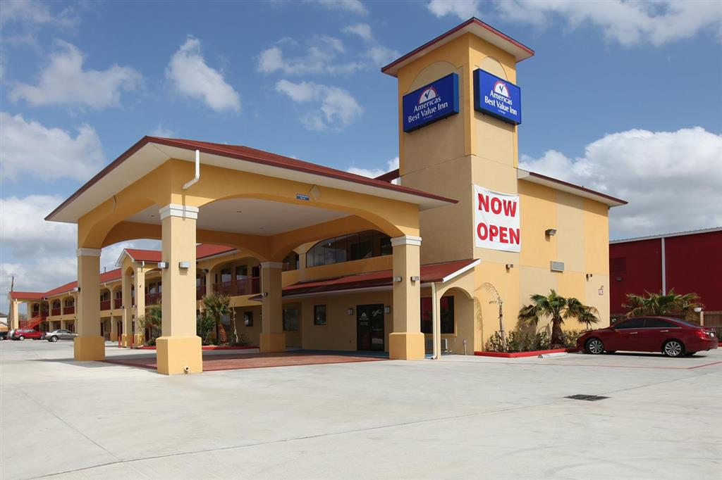 Americas Best Value Inn & Suites - Houston/Tomball Parkway image 1