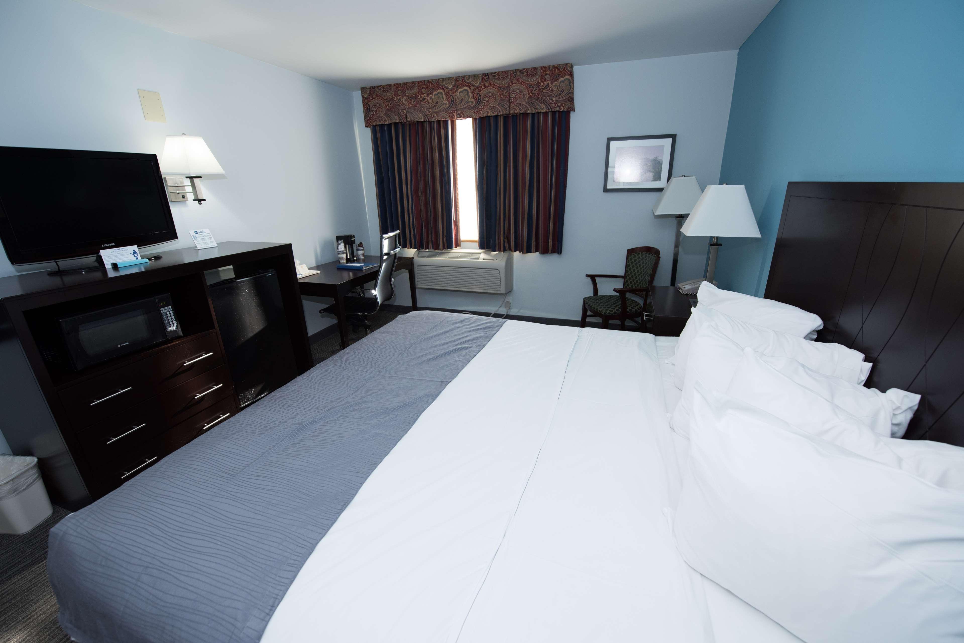 Best Western New Baltimore Inn image 20