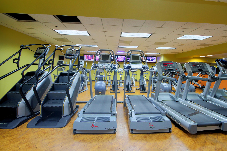 Crunch Fitness - Metro Center image 6