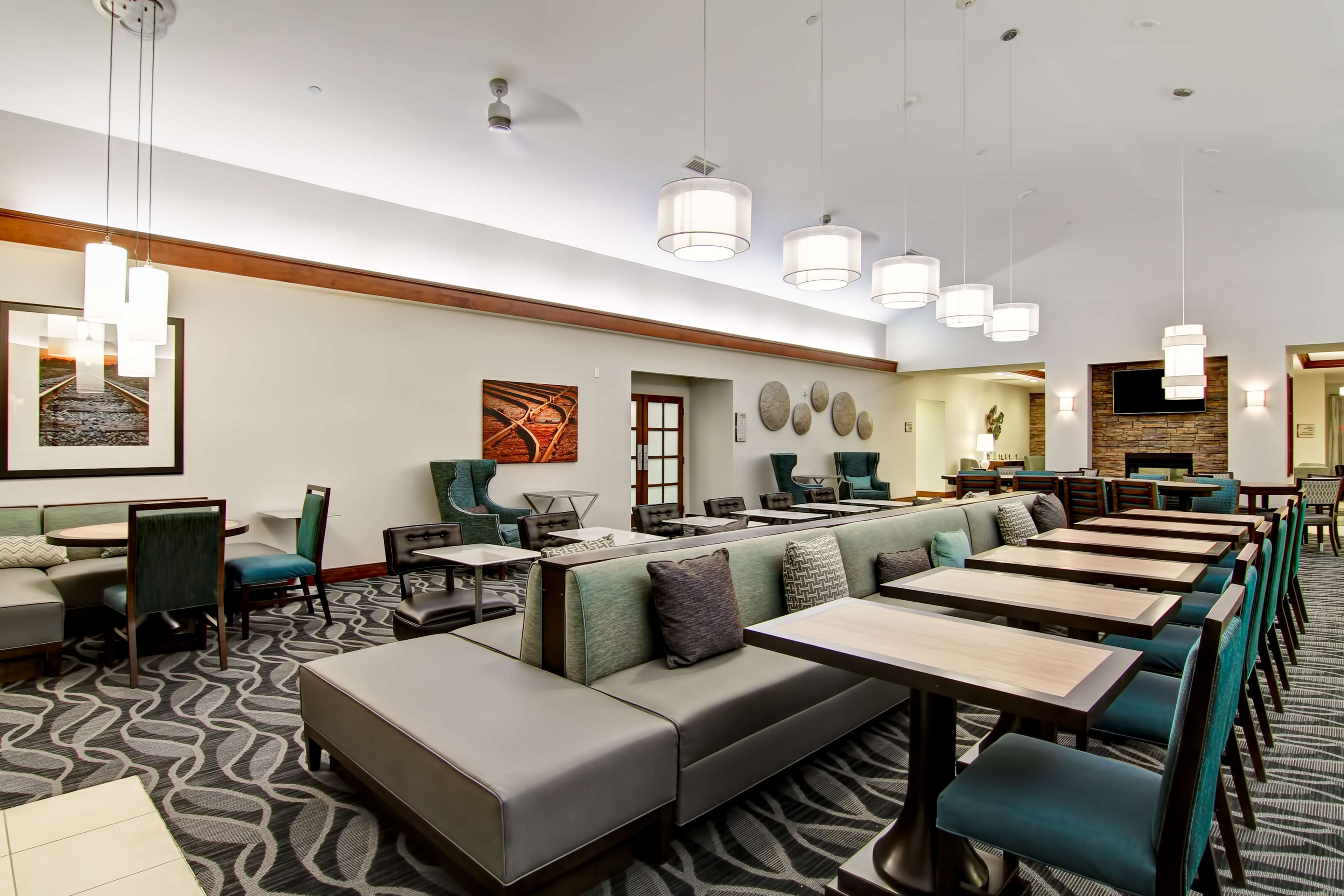 Homewood Suites by Hilton Bentonville-Rogers image 3