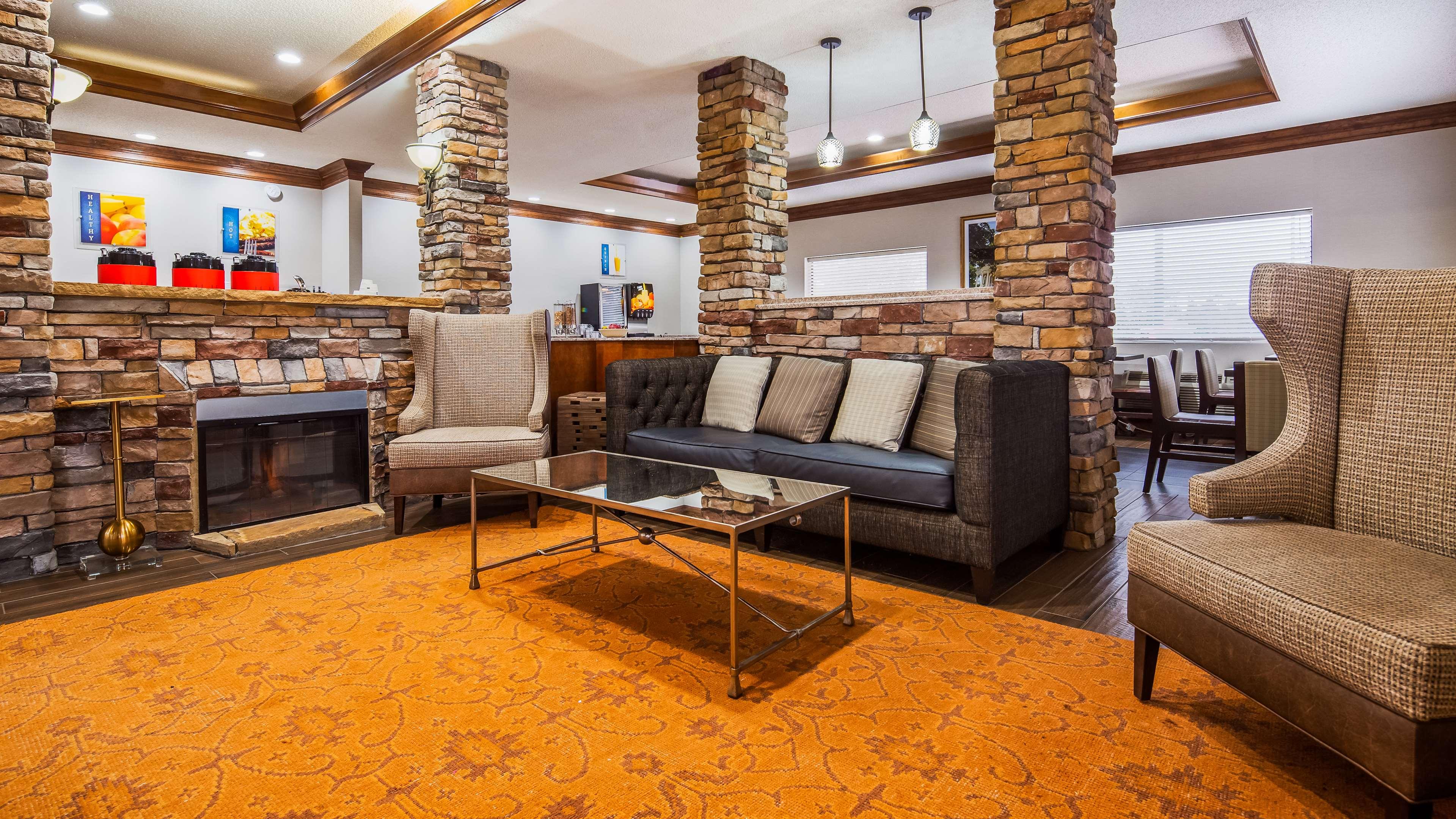 Best Western Inn & Suites image 3