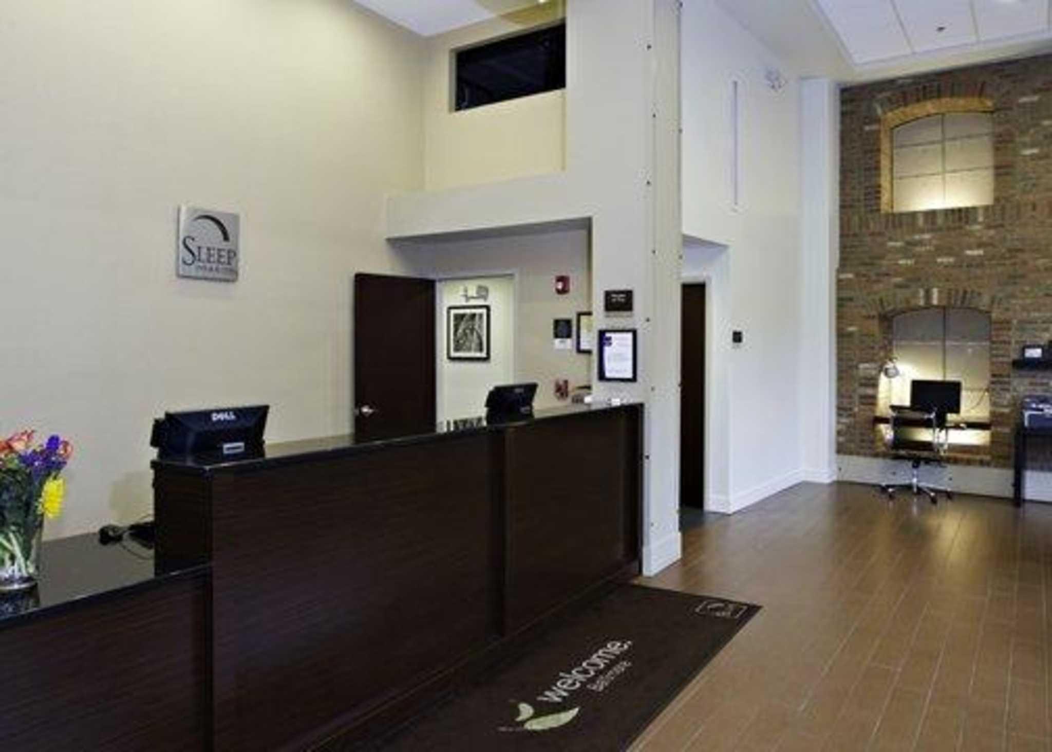 Sleep Inn & Suites Downtown Inner Harbor image 9