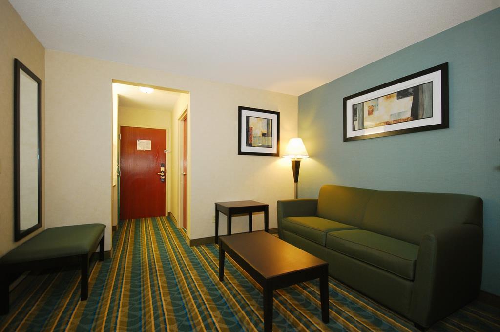 Best Western Plus Berkshire Hills Inn & Suites image 28