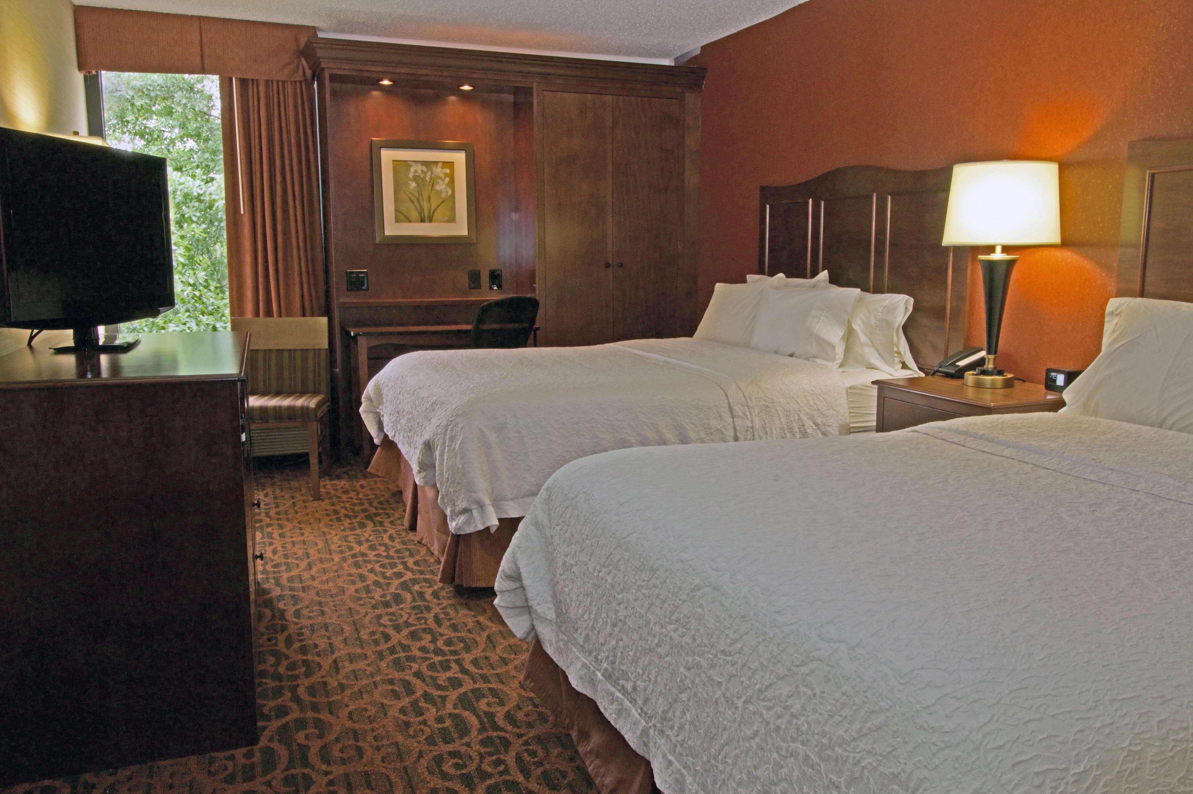 Hampton Inn Norfolk/Chesapeake (Greenbrier Area) image 21
