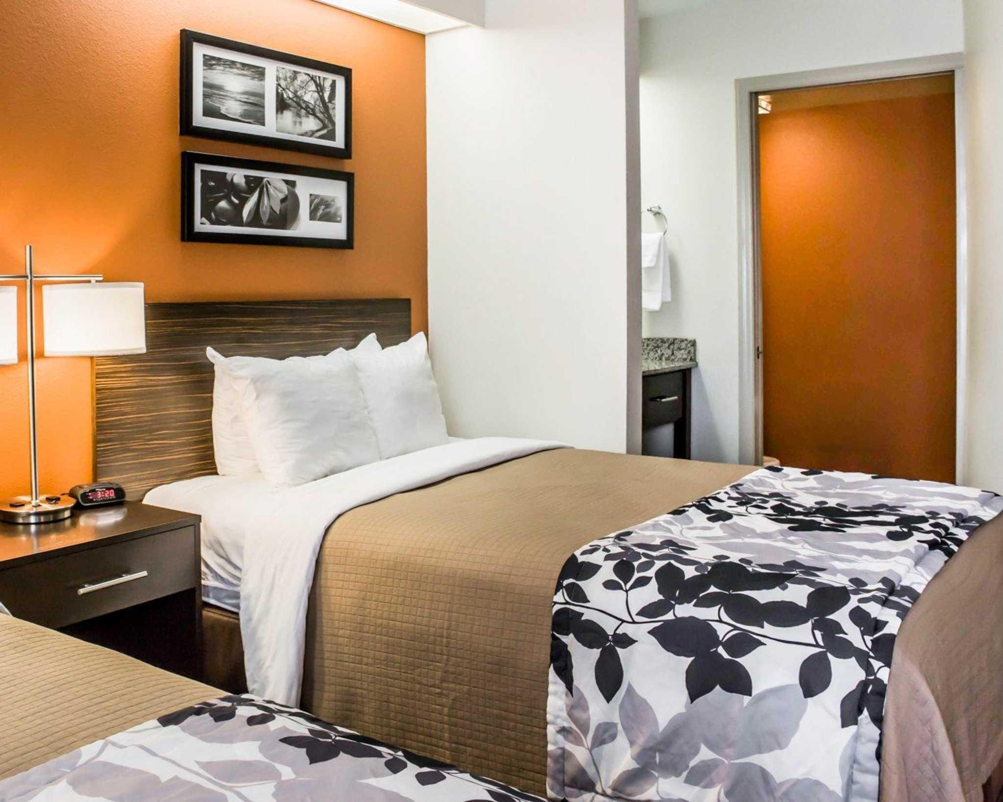Sleep Inn image 7