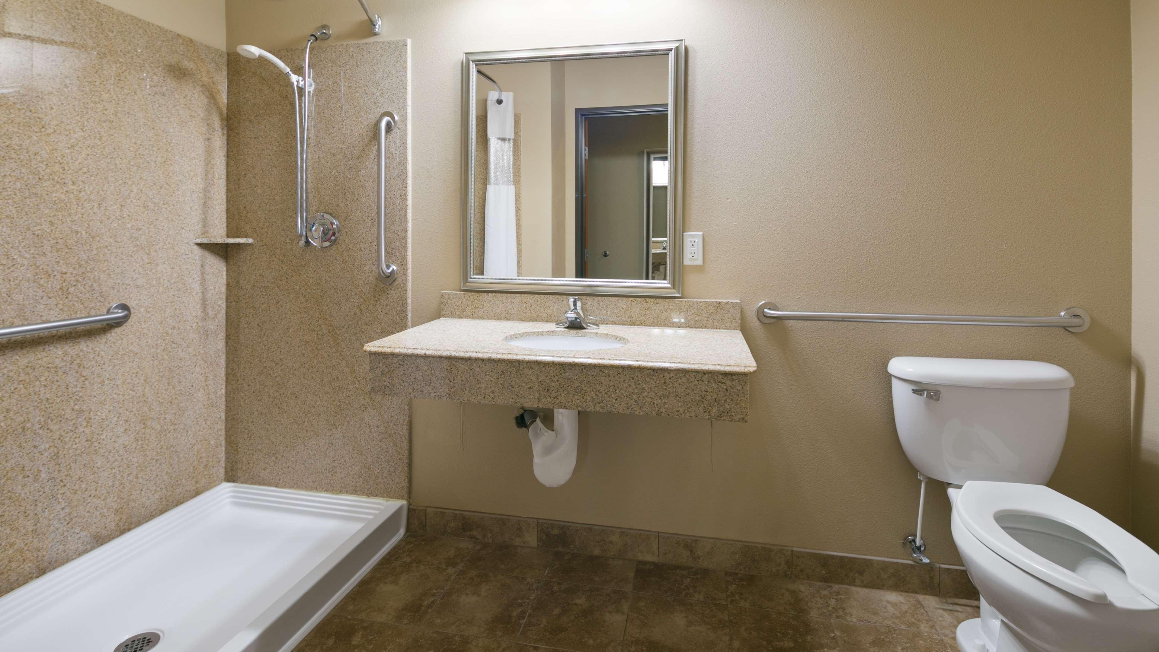 Best Western Plus Parkersville Inn & Suites image 25
