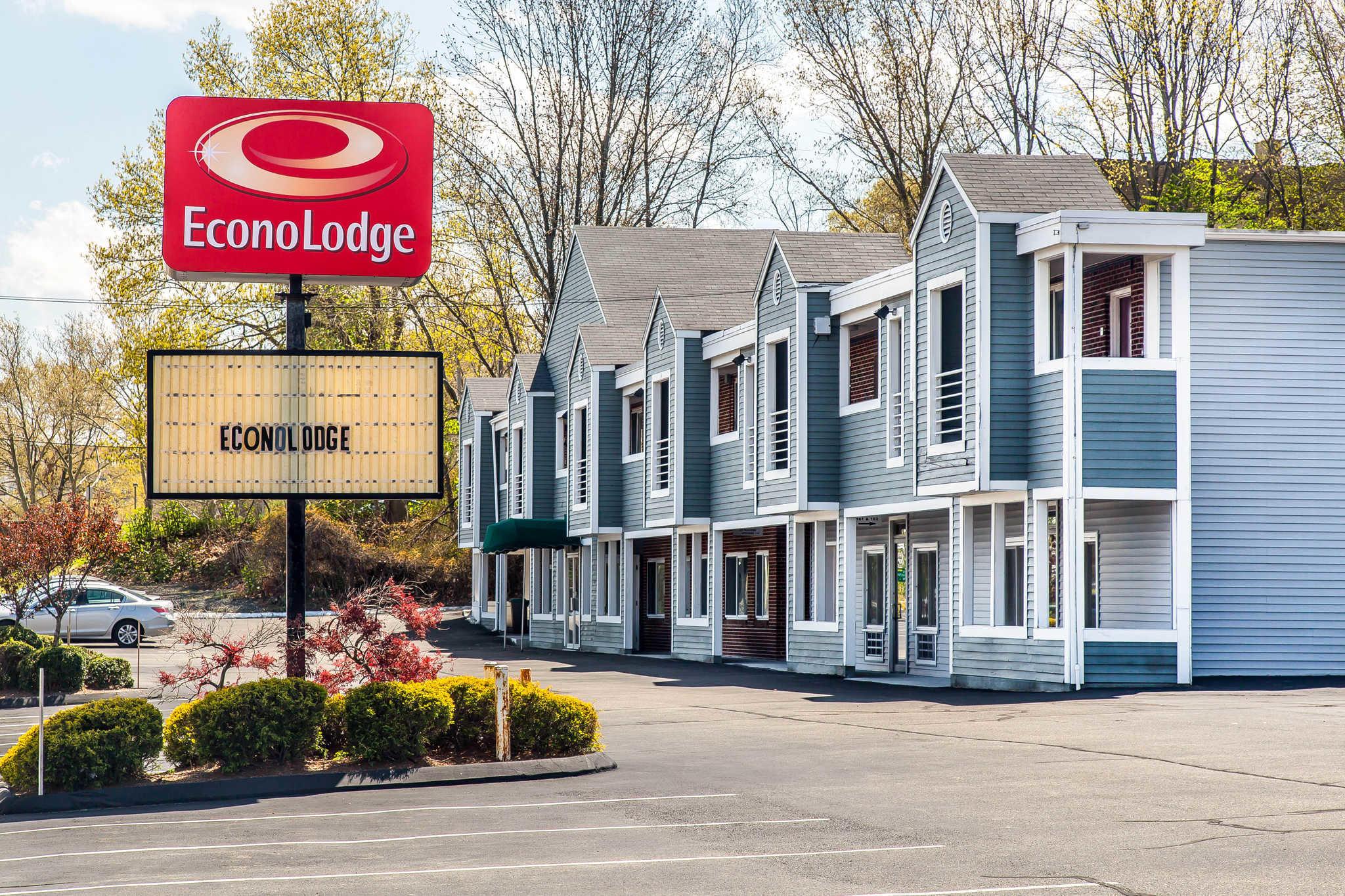 Econo Lodge image 1