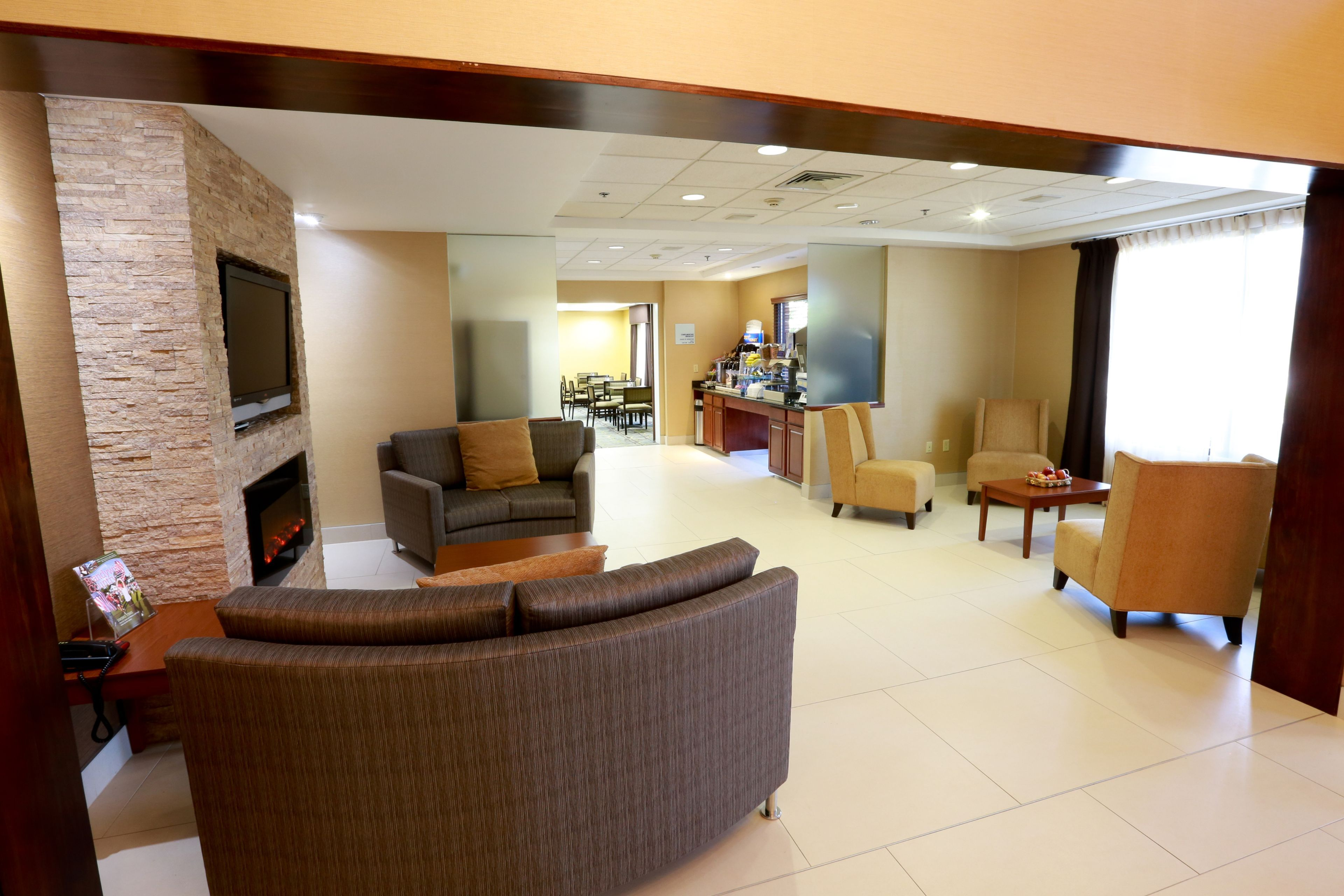 Holiday Inn Express & Suites West Chester image 3