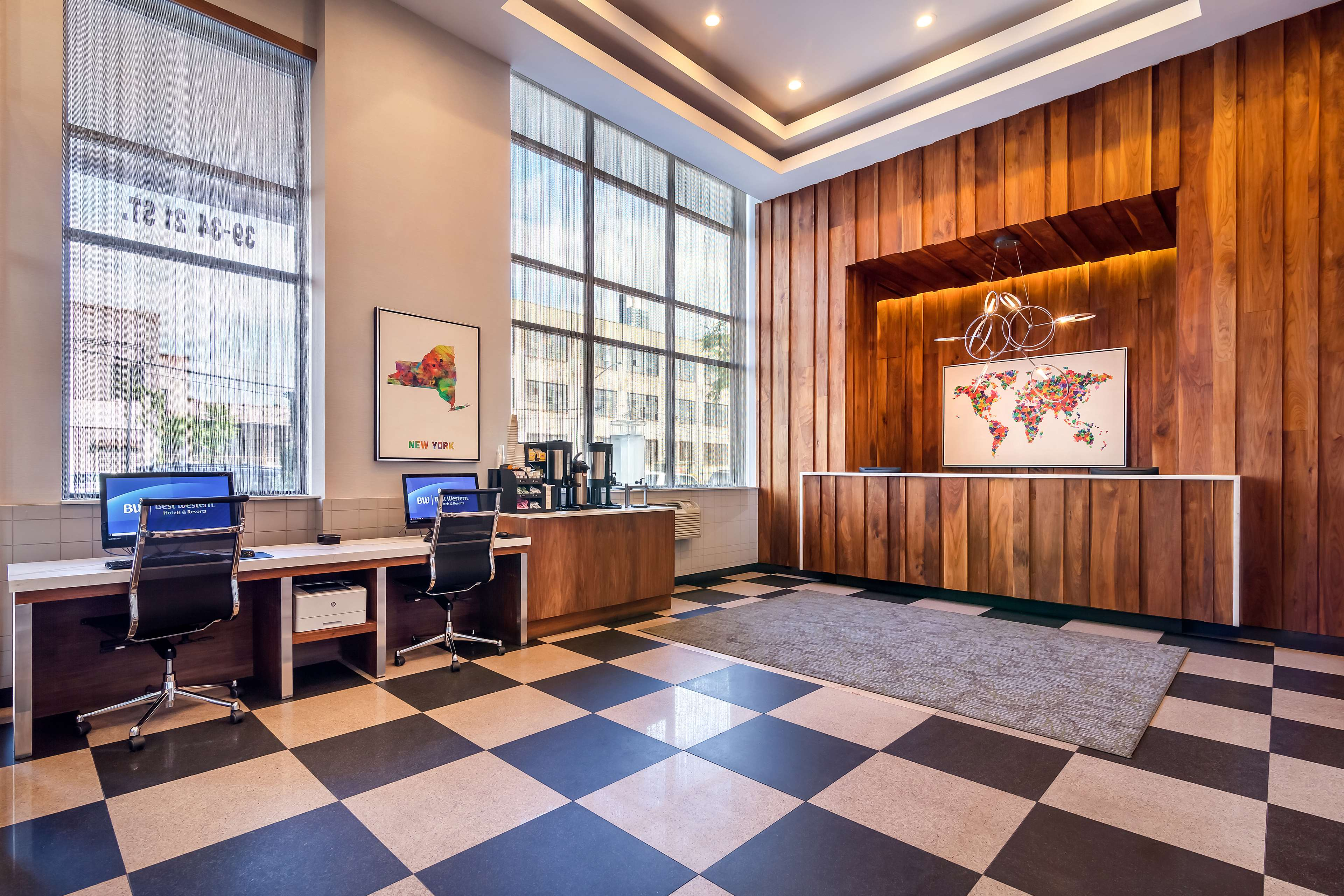 Best Western Plus Plaza Hotel image 7