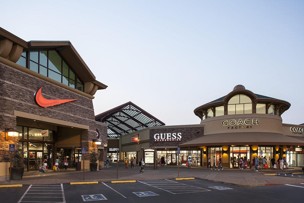 Apr 28,  · Woodburn Premium Outlets Shopping in Portland: Read reviews written by 10Best experts and explore user ratings. Woodburn Company Stores is the largest tax free outlet mall in the western part of.