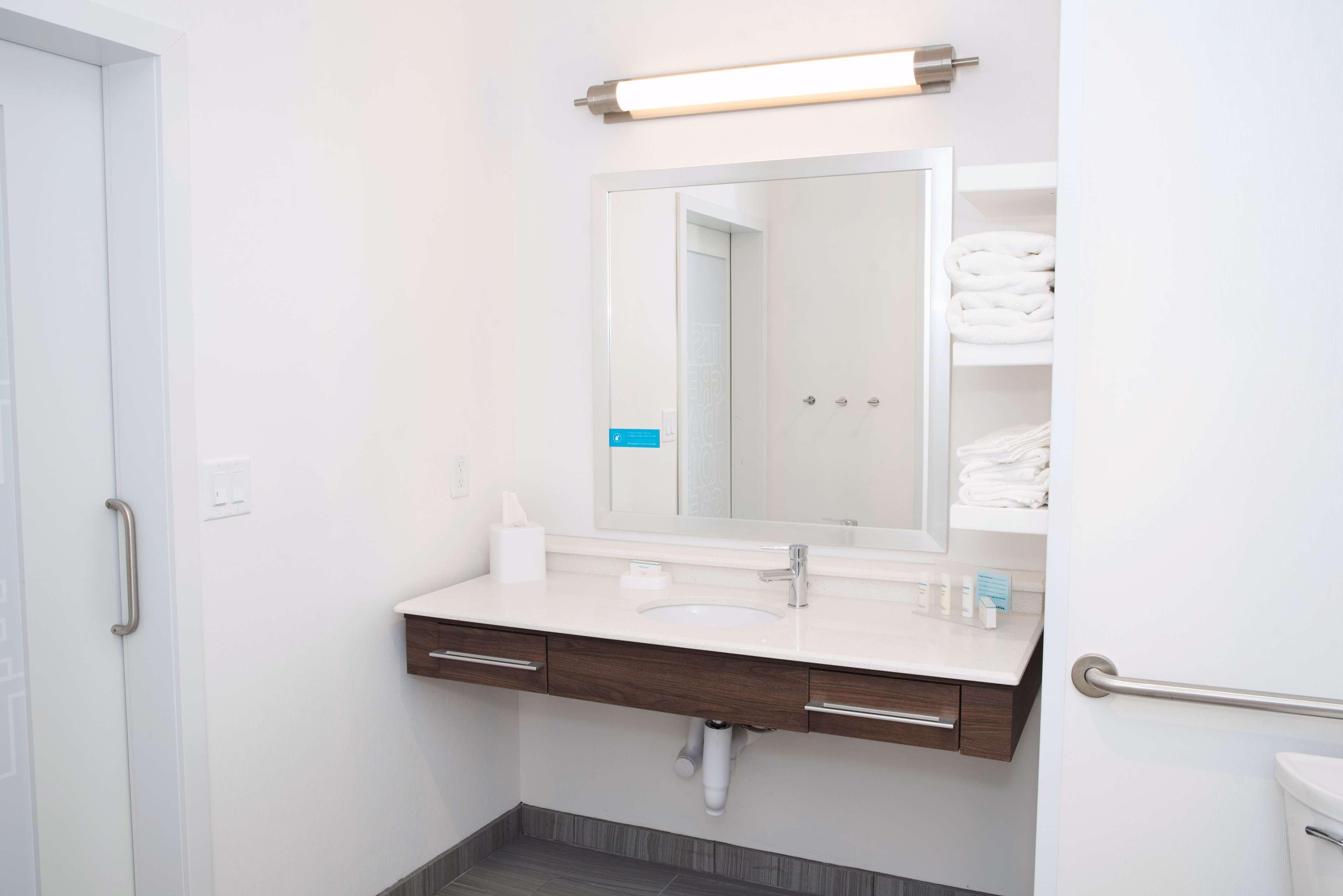 Hampton Inn & Suites Des Moines/Urbandale image 37