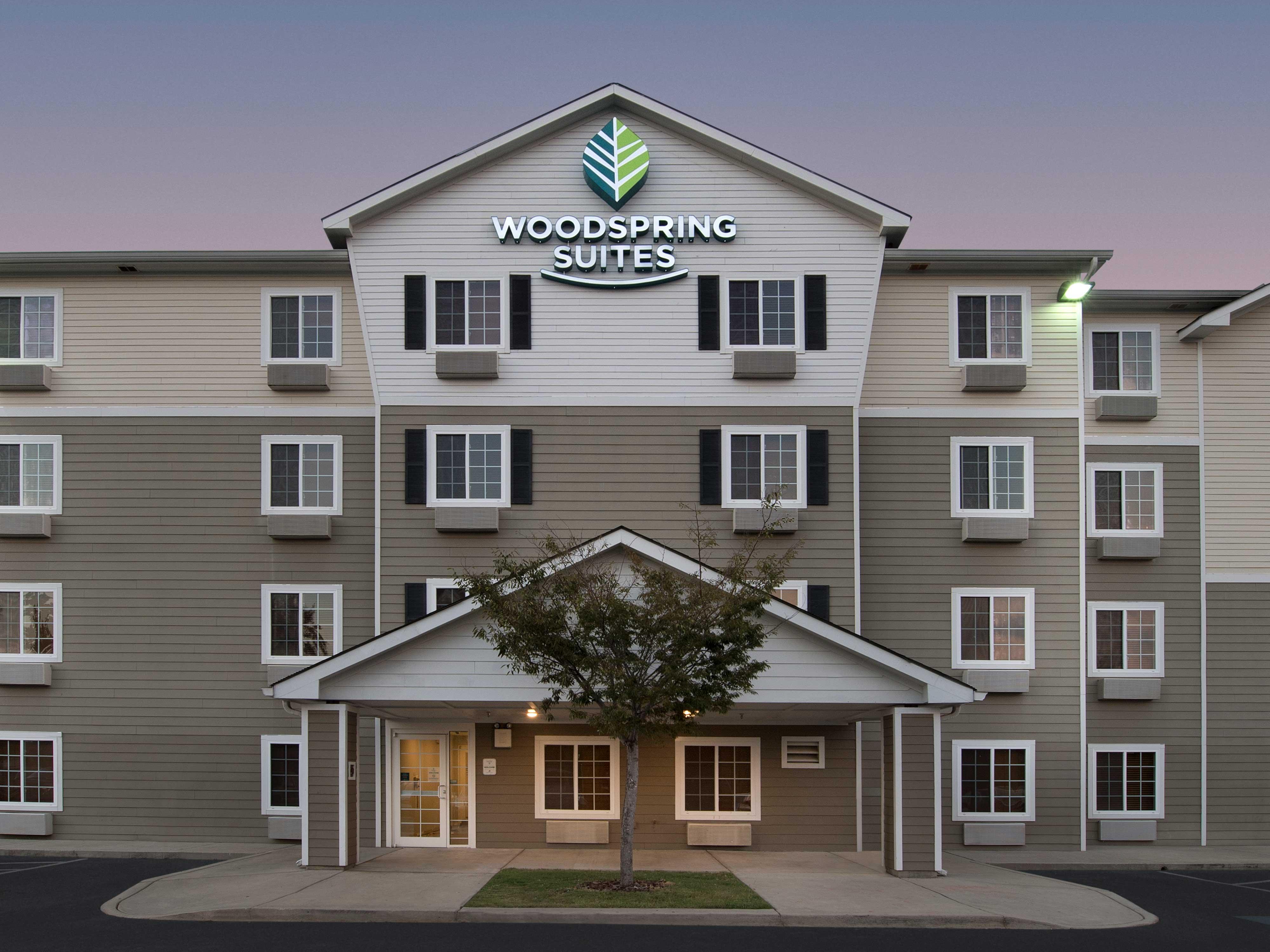 WoodSpring Suites Augusta Fort Gordon image 1