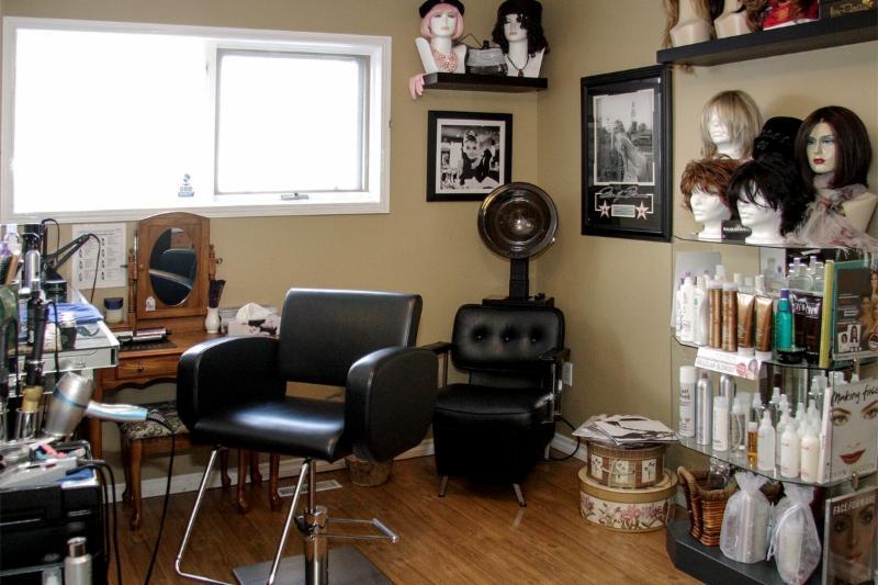 Georgios 635 salon calgary ab ourbis for About u salon calgary