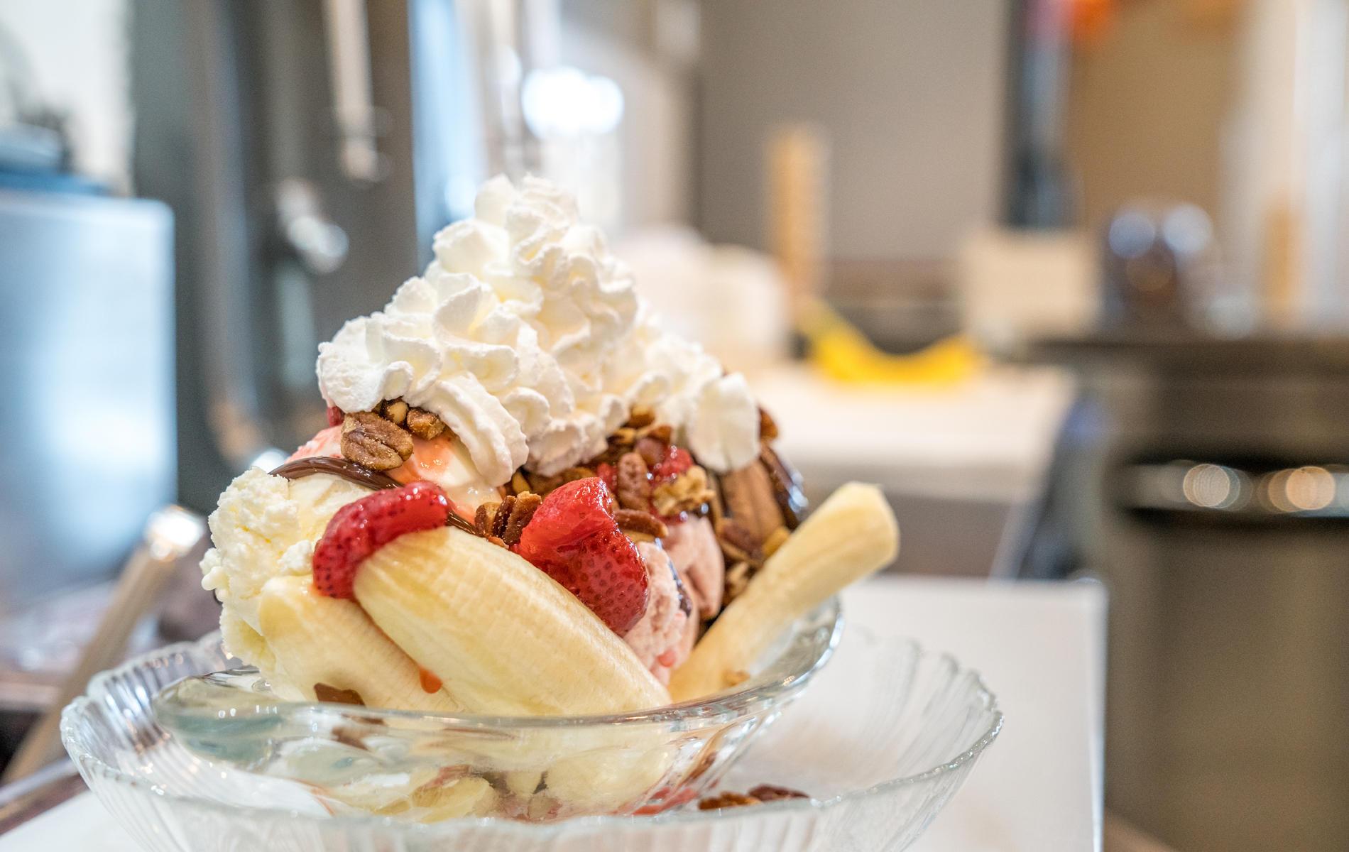 Big Dipper Creamery - Blaine image 14