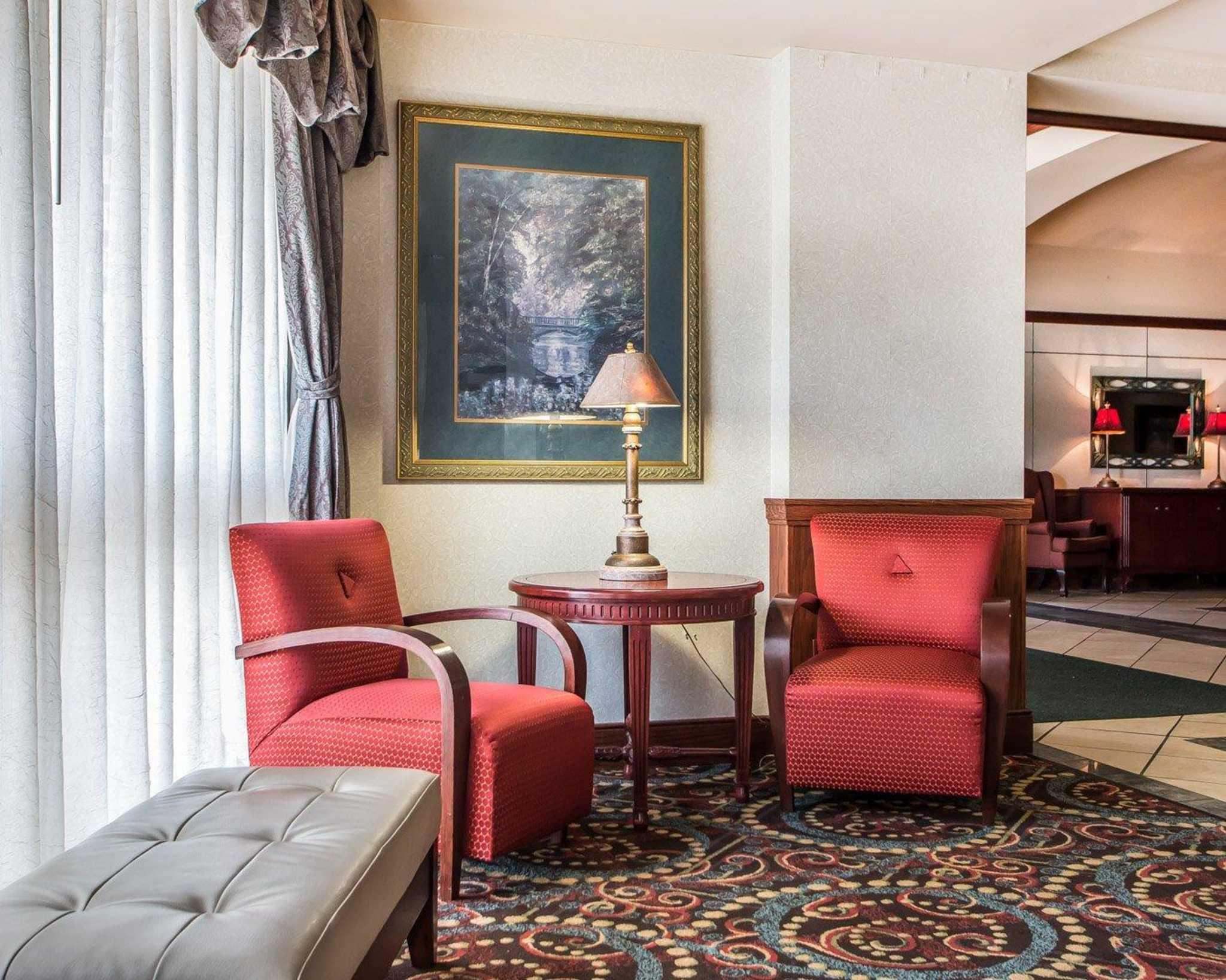 Clarion Hotel Highlander Conference Center image 16