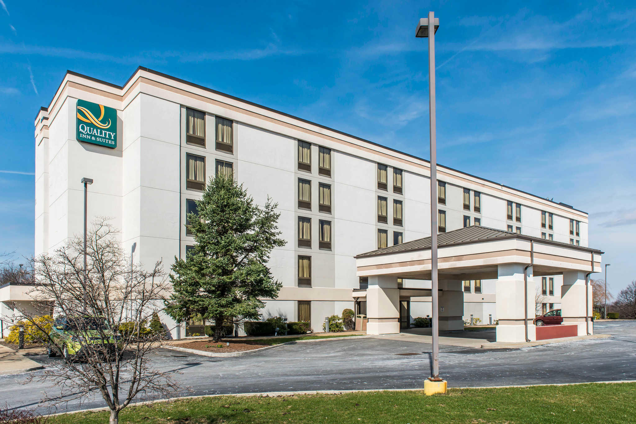 Quality Inn & Suites in Johnstown, PA - (814) 266-3...