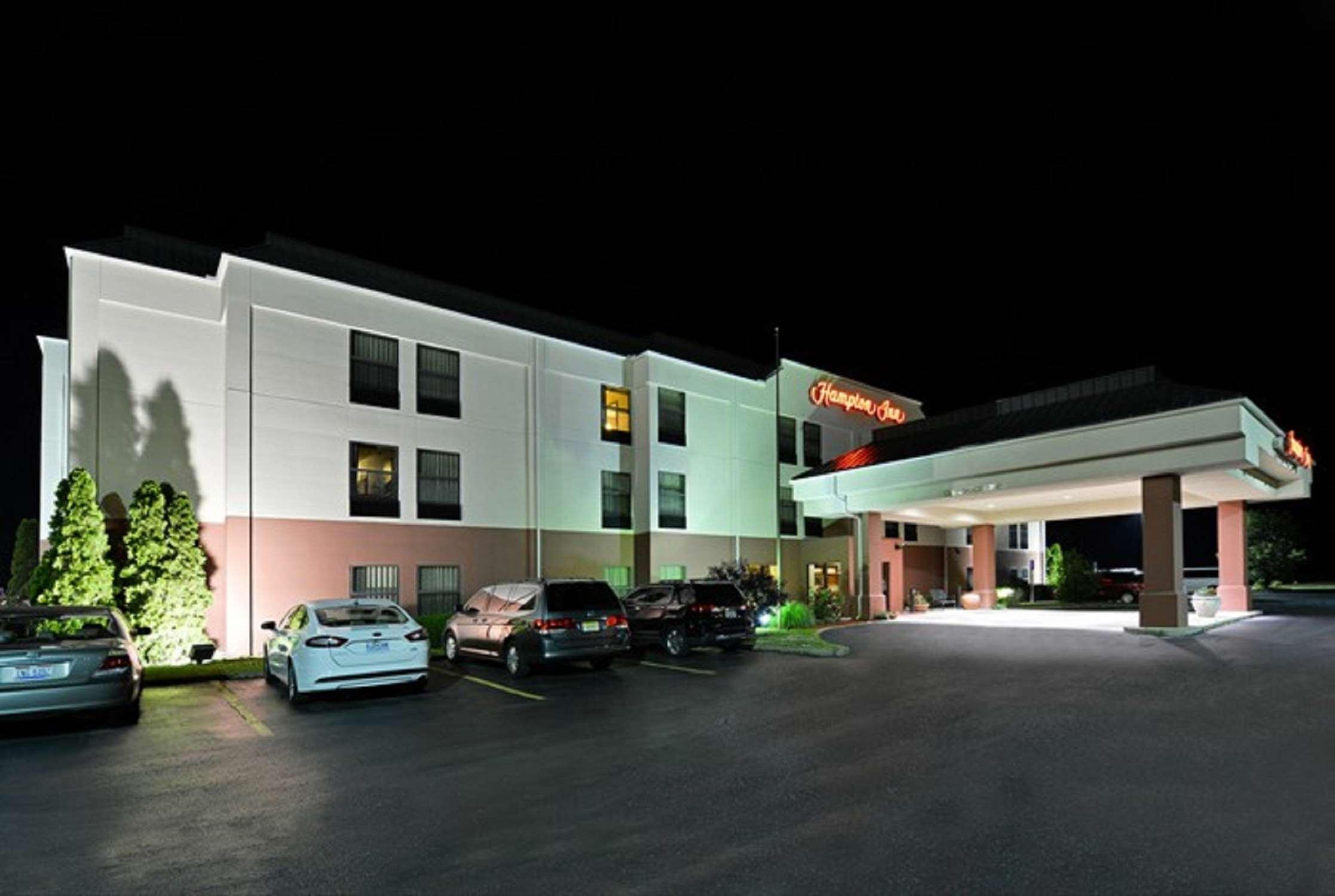 Hampton Inn Sturgis-Lagrange Area image 2
