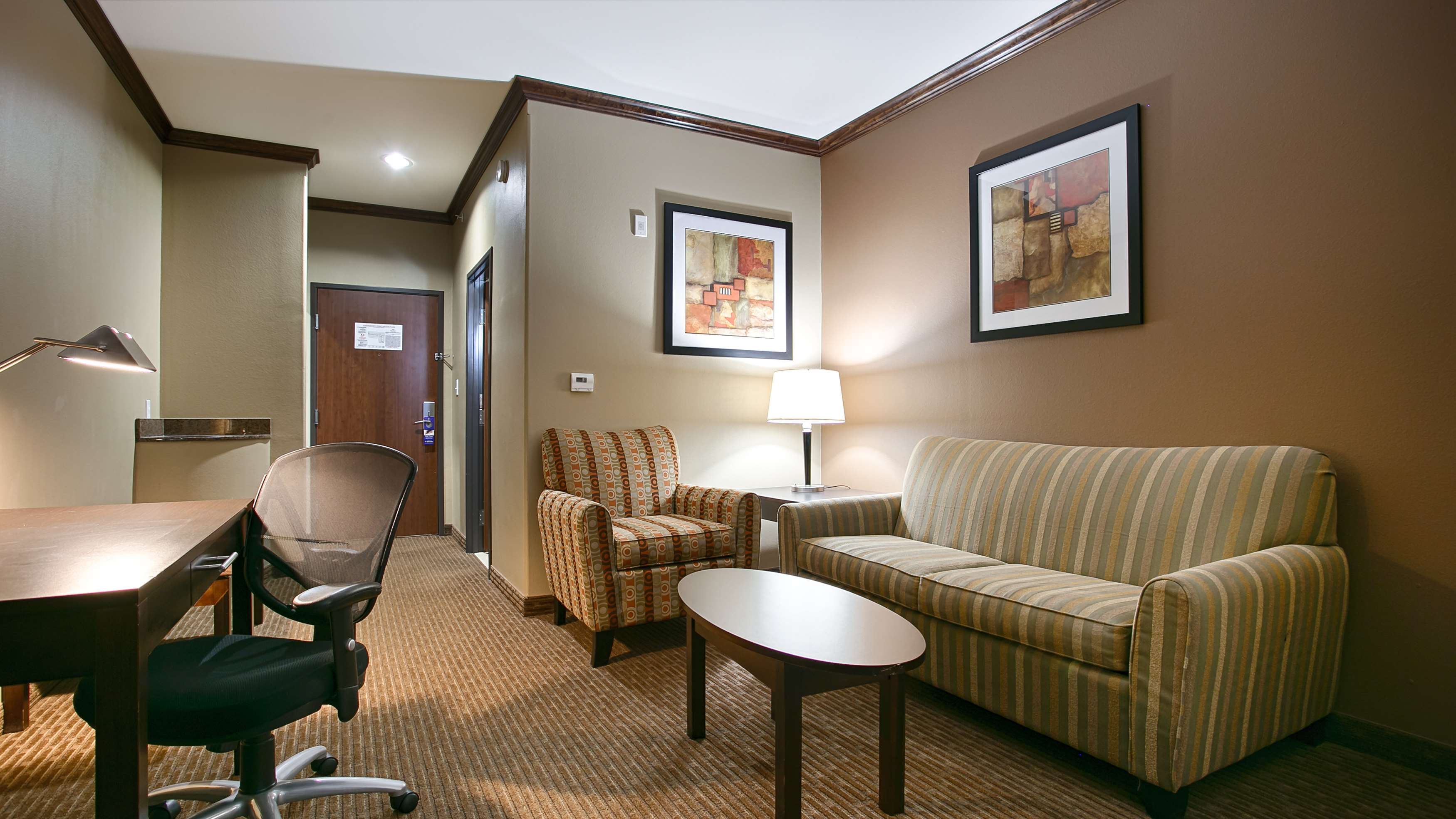Best Western Plus Texoma Hotel & Suites image 18