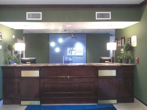 Holiday Inn Express & Suites Montgomery - ad image