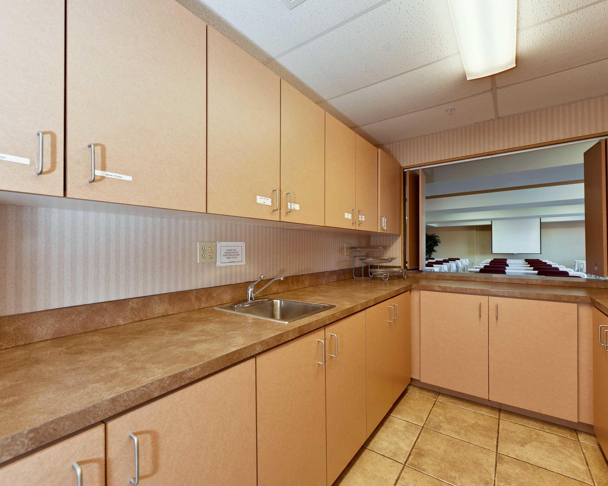 Quality Inn & Suites Matthews - Charlotte image 14