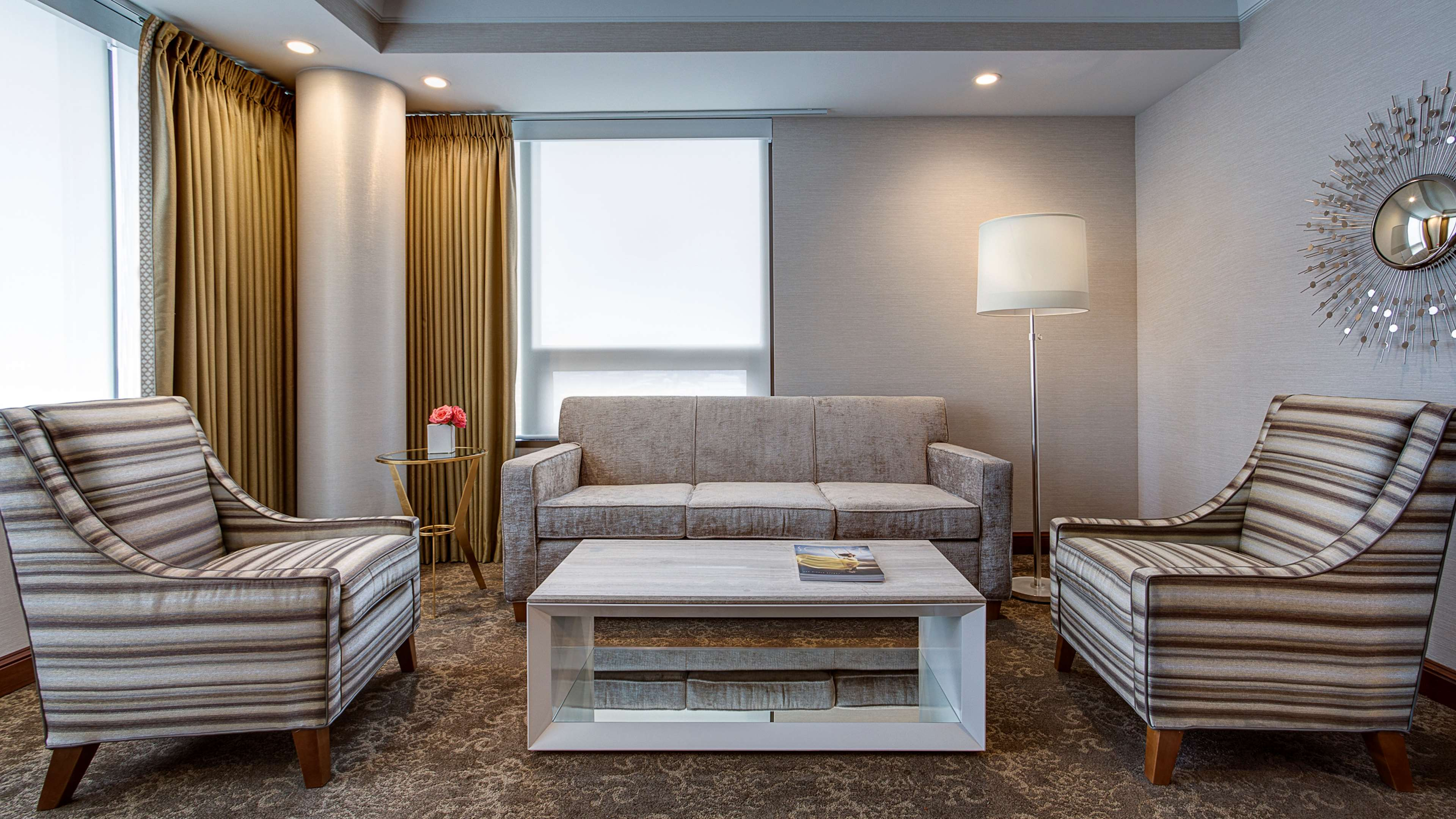 Amway Grand Plaza, Curio Collection by Hilton image 23