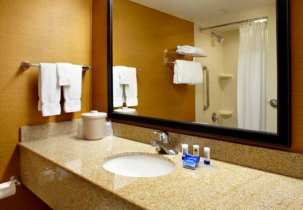 Fairfield Inn & Suites by Marriott Parsippany image 5