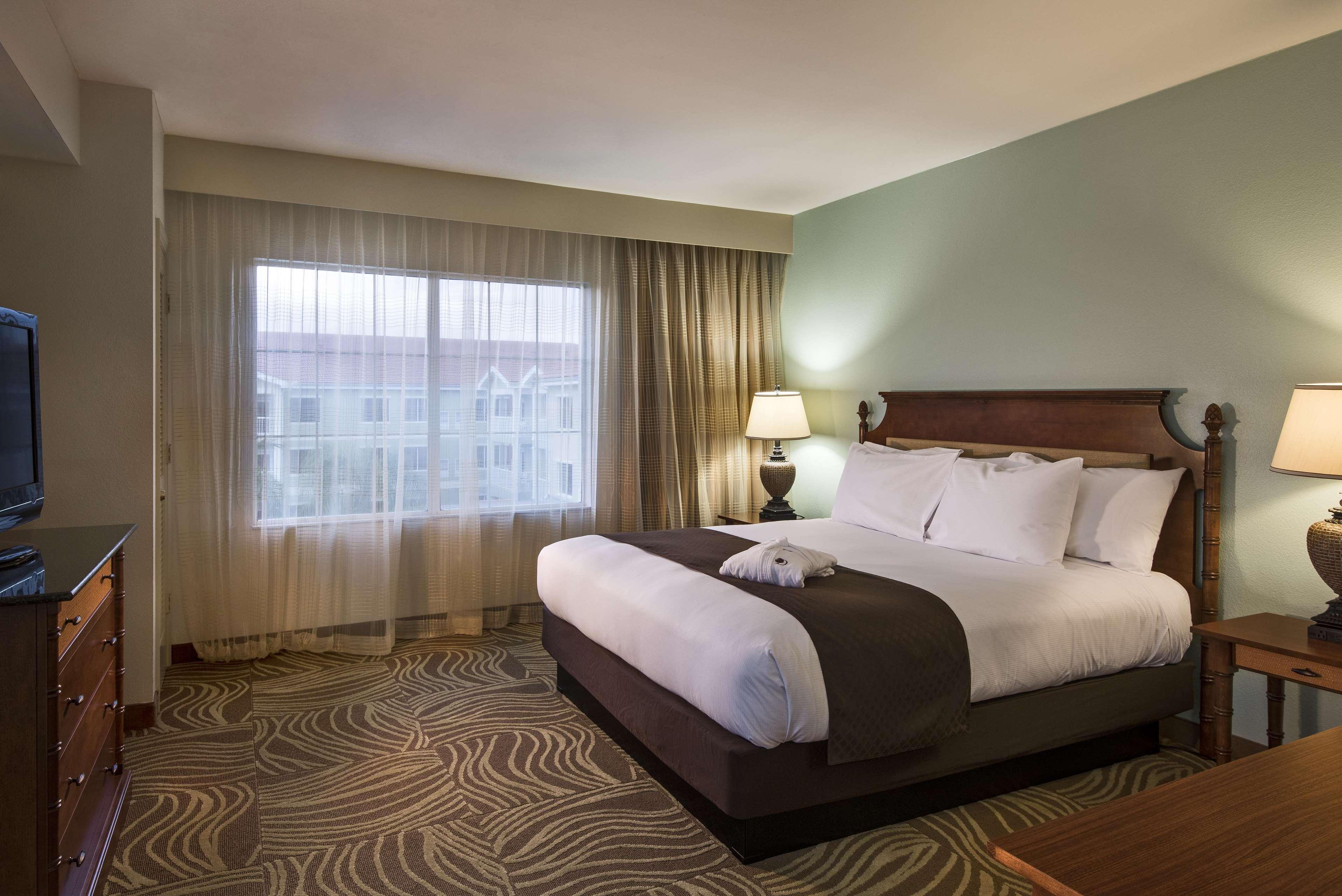 DoubleTree Suites by Hilton Hotel Naples image 27