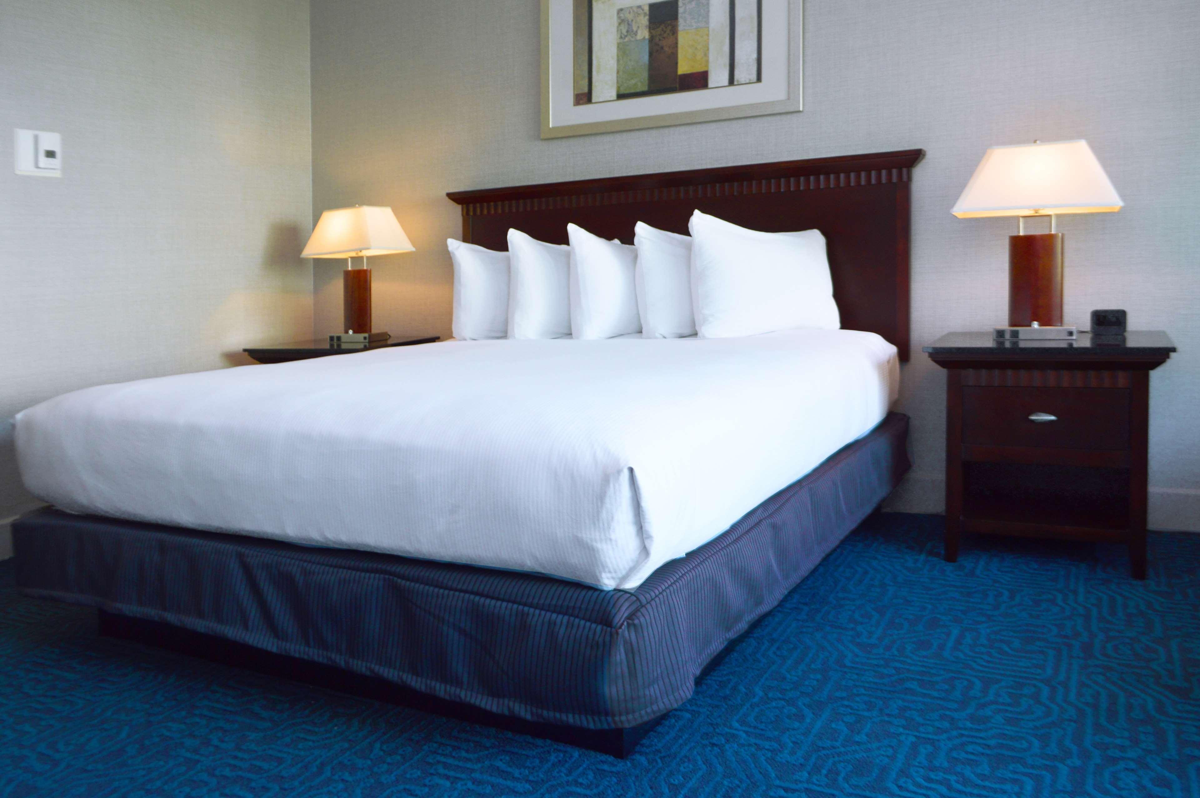 DoubleTree by Hilton Hotel Newark - Fremont image 35