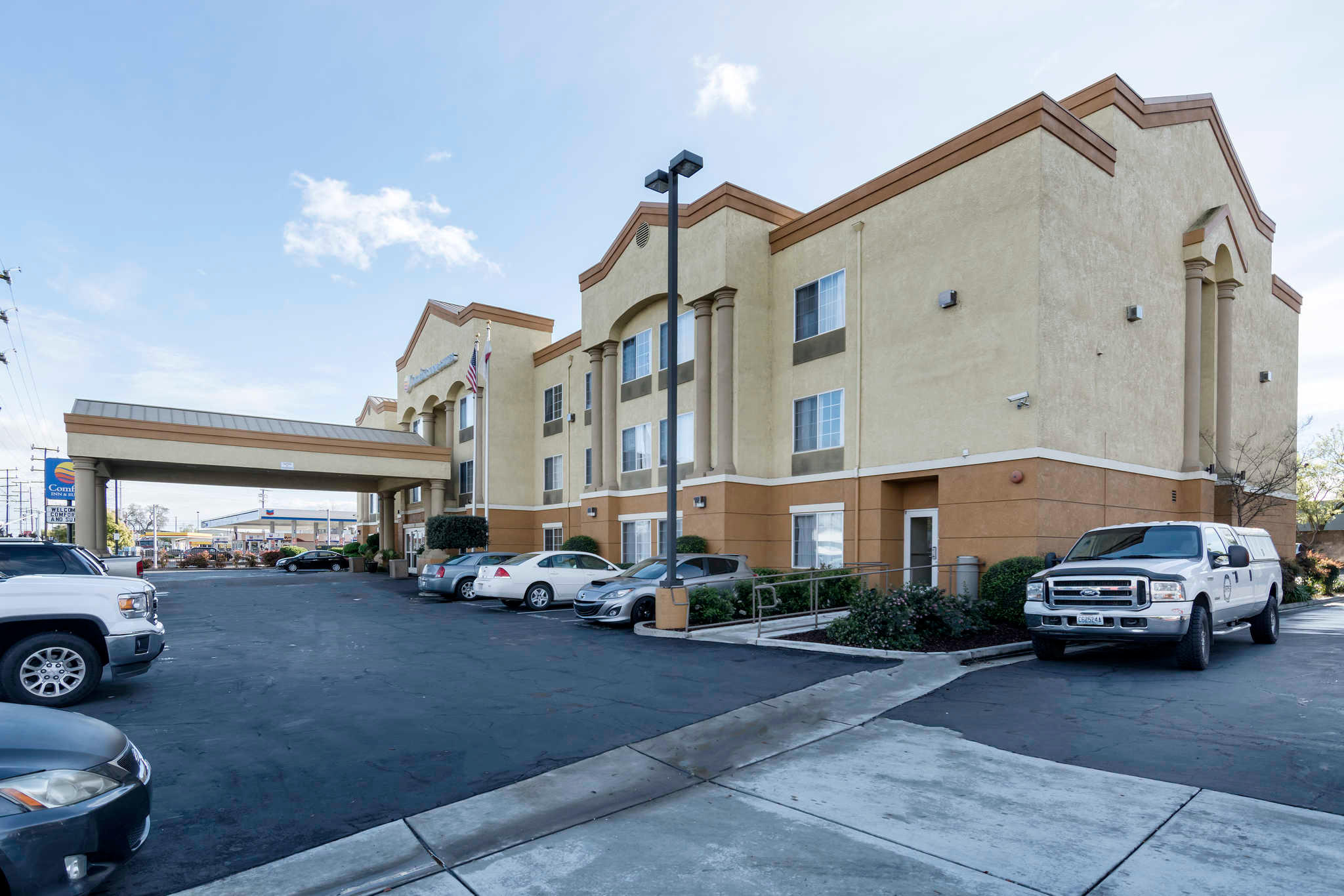 Comfort Inn & Suites Sacramento - University Area image 3