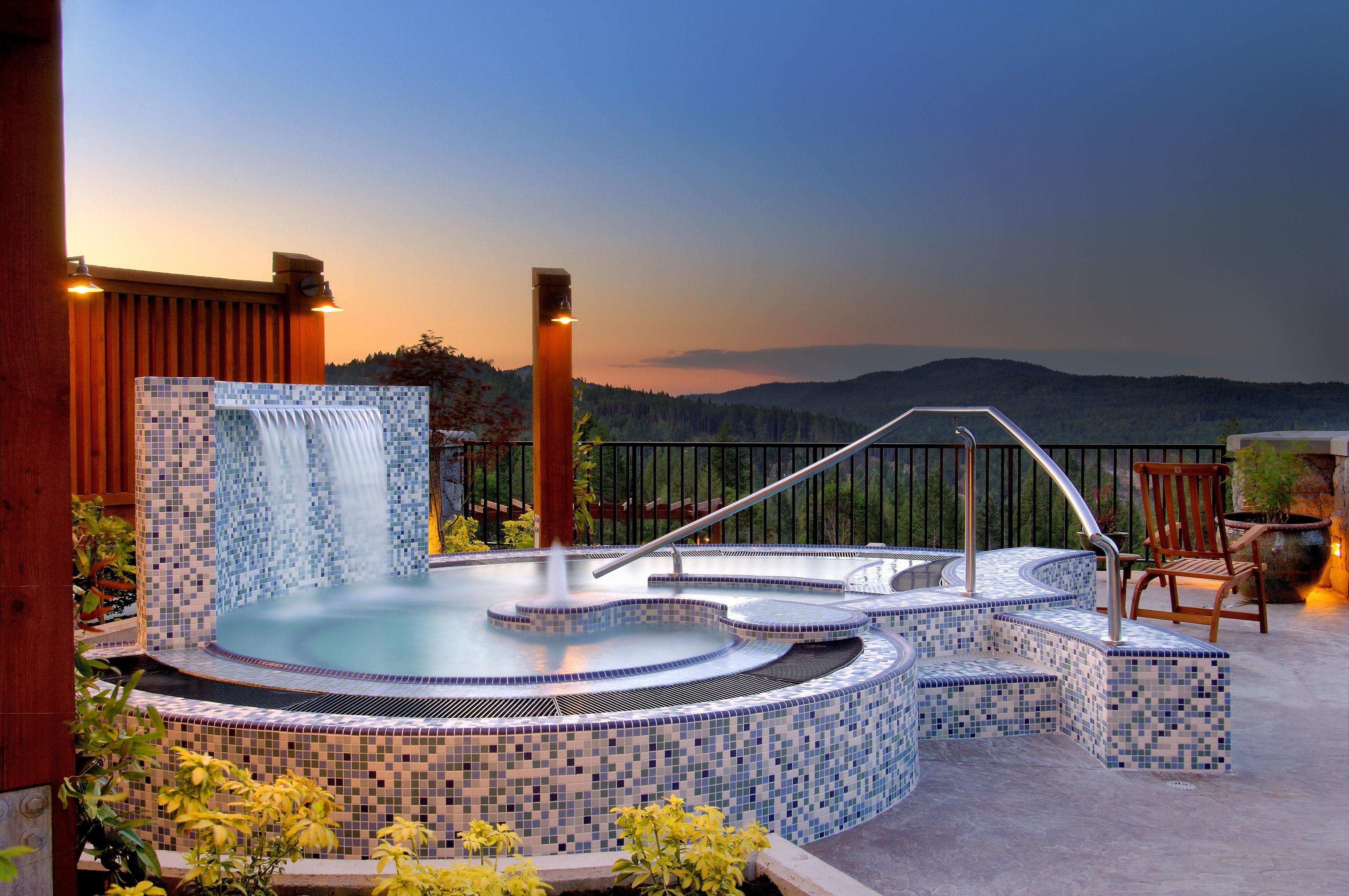 The Westin Bear Mountain Golf Resort & Spa, Victoria in Victoria: Sante Spa Terrace and Mineral Pool