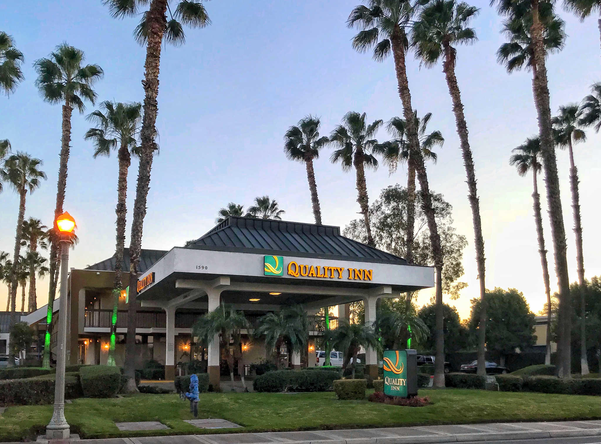 Quality Inn Riverside near UCR and Downtown image 0