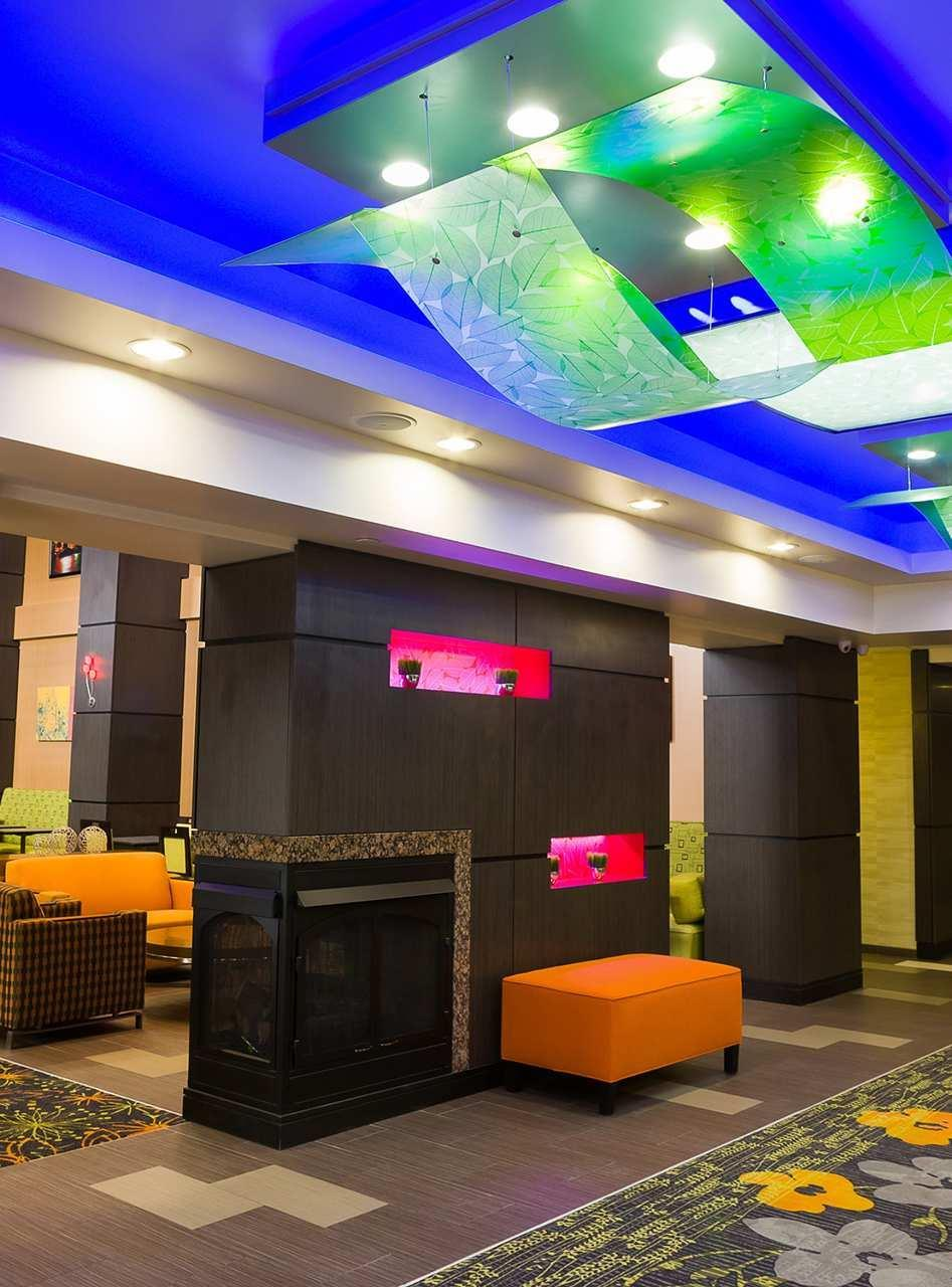 Hampton Inn & Suites Tulsa/Central image 3