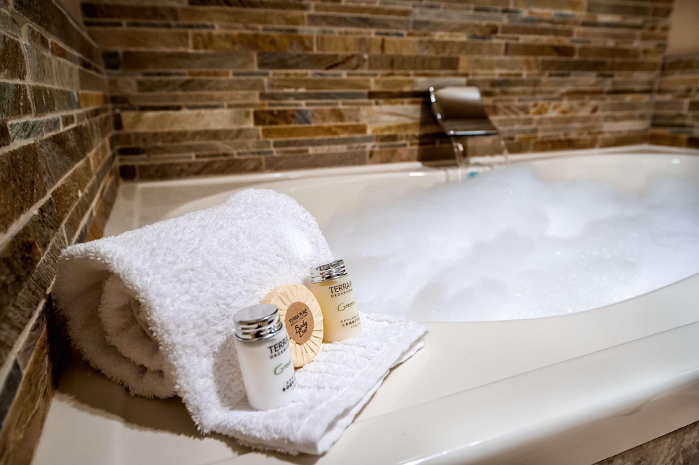 Best Western Plus Arroyo Roble Hotel & Creekside Villas image 23