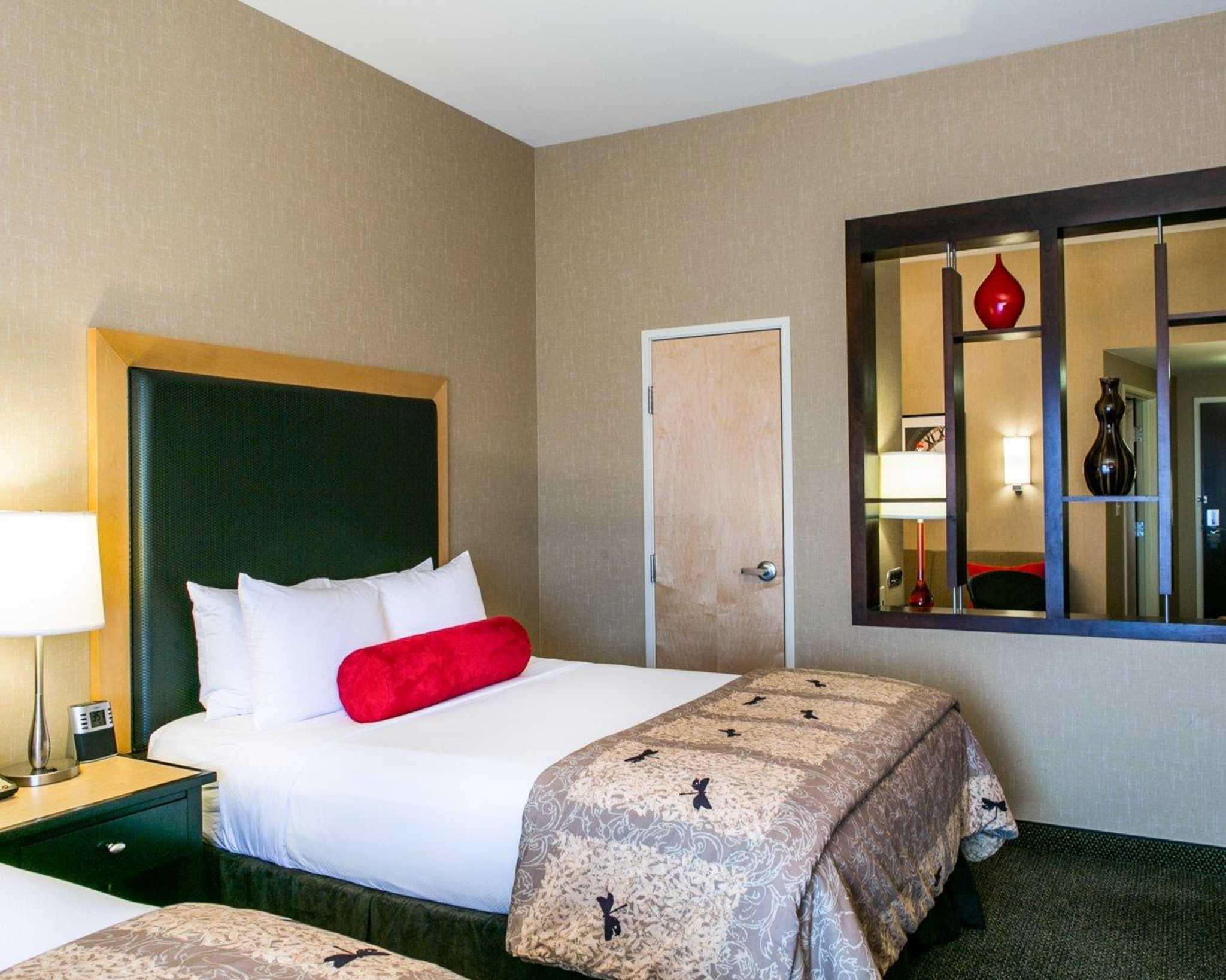 Cambria Hotel Denver International Airport image 6