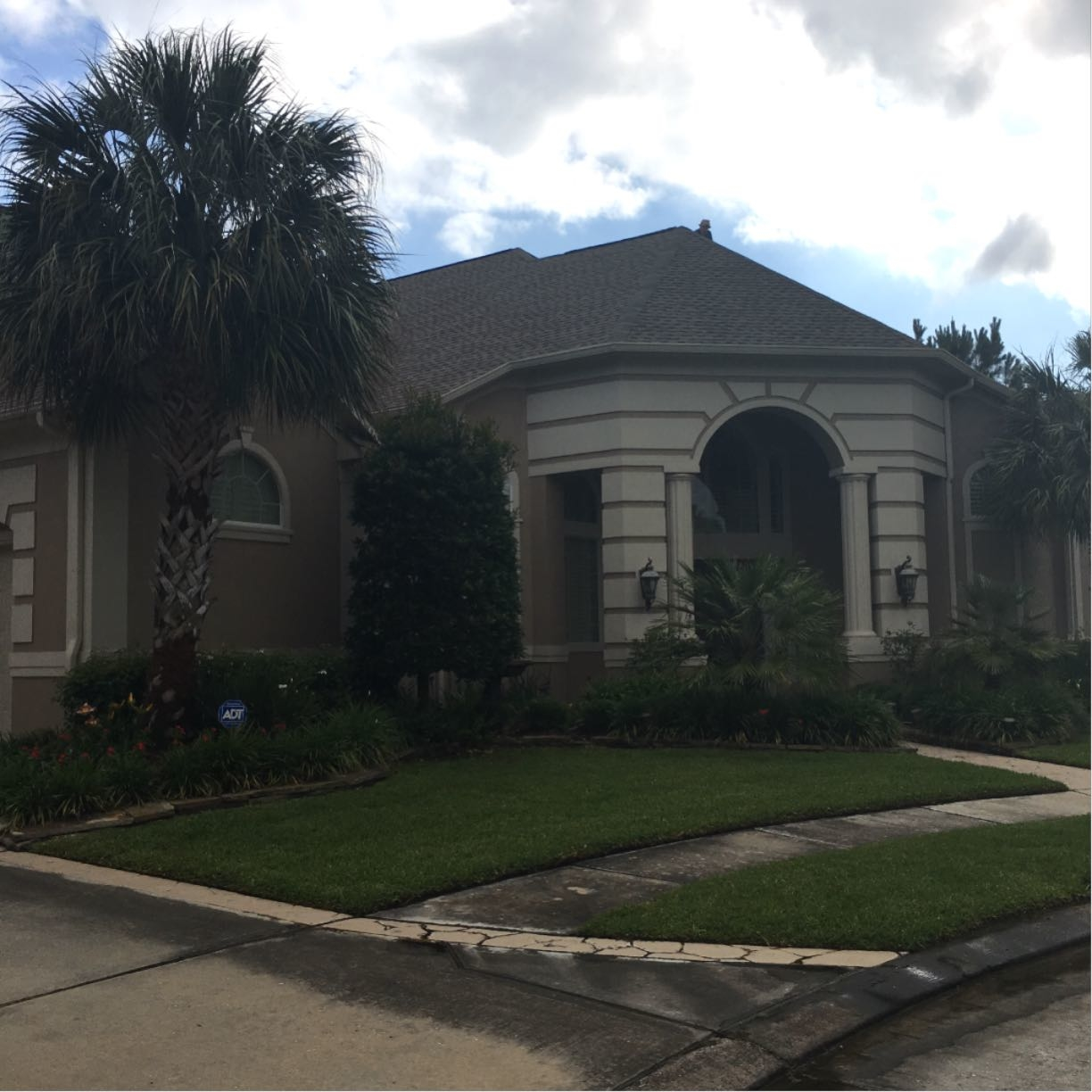 Houston Roofing & Construction image 5