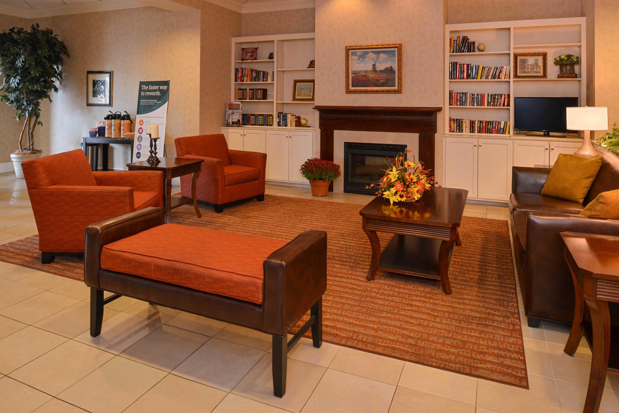 Quality Inn Dutch Inn image 7