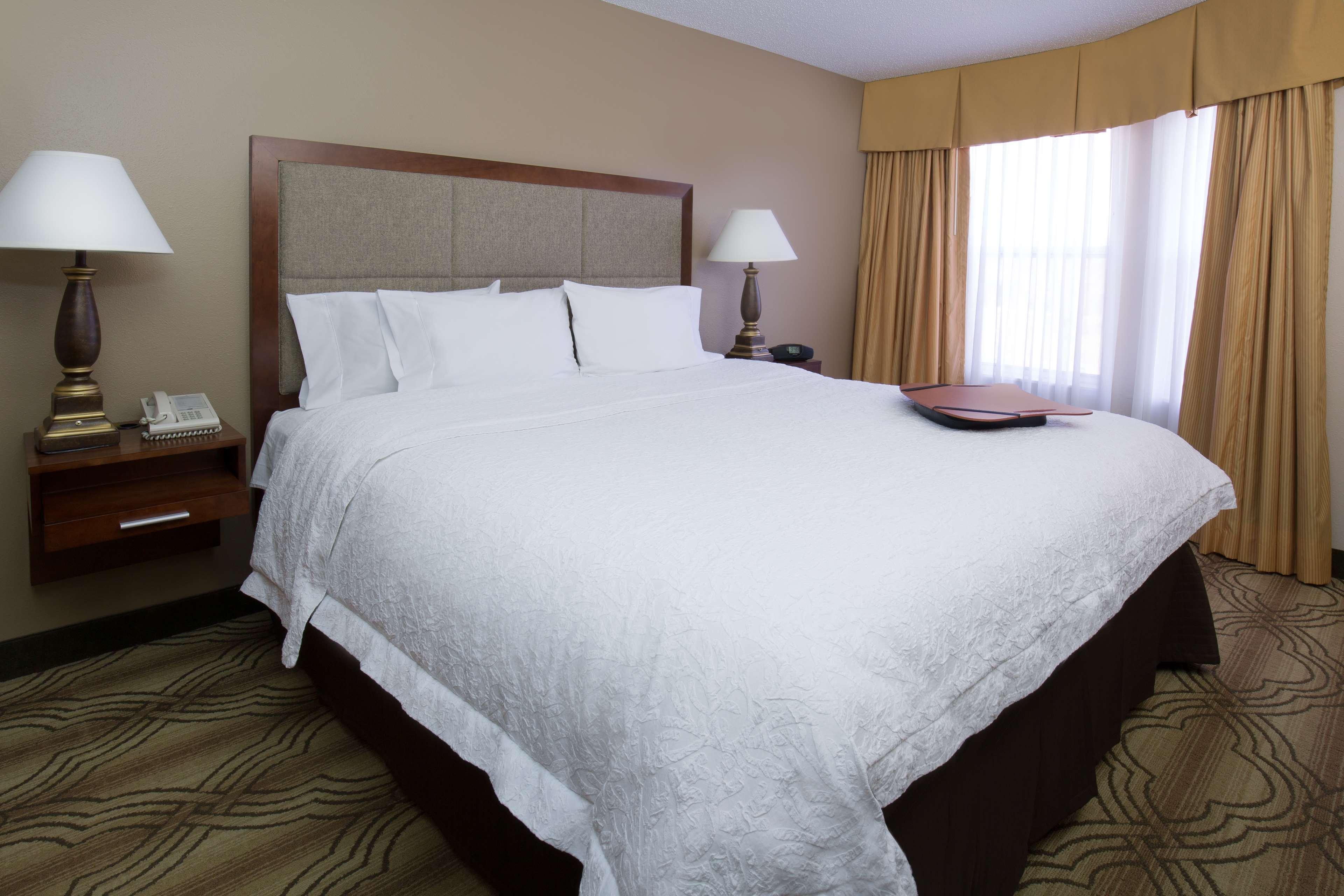 Hampton Inn & Suites Ft. Wayne-North image 17