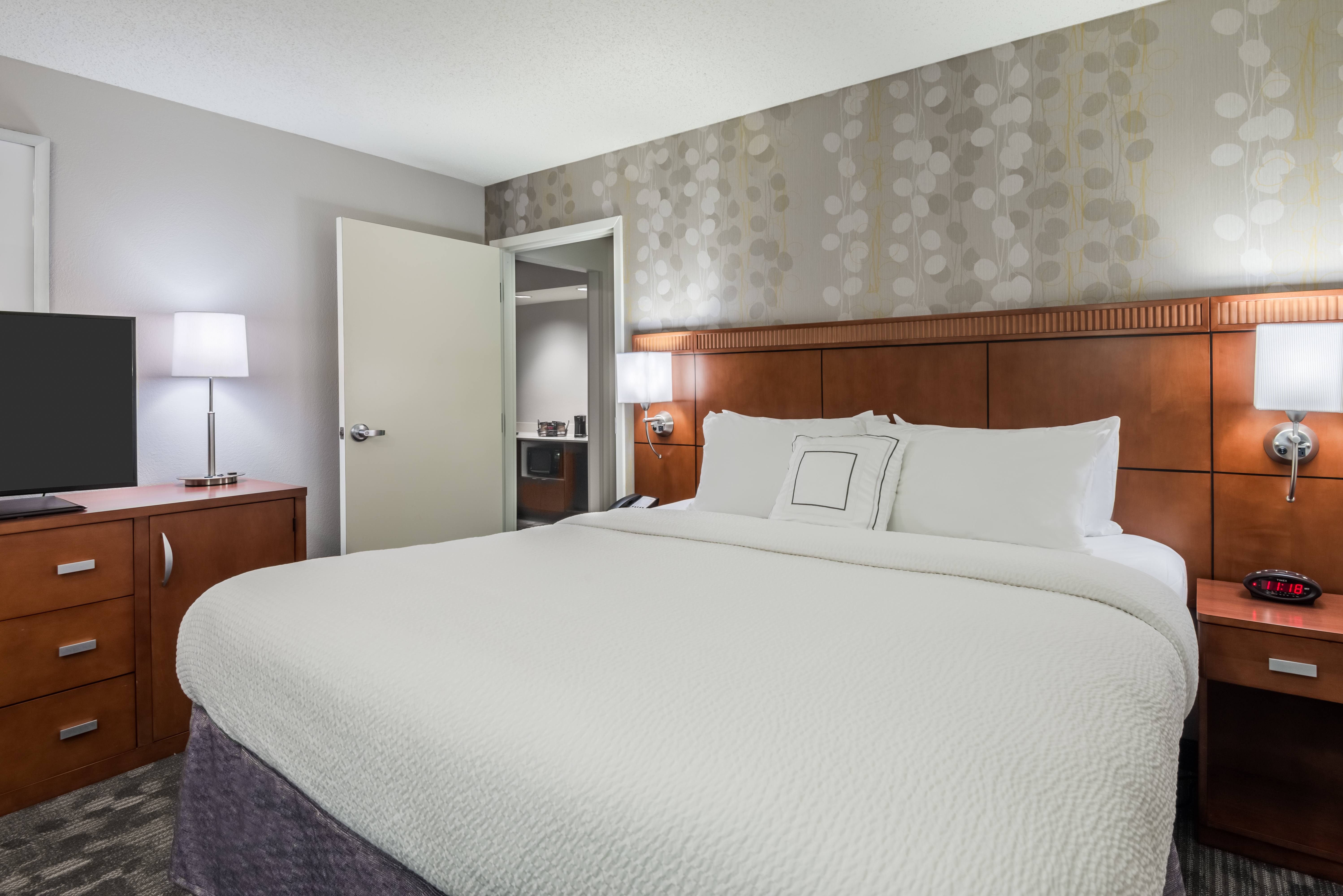 Courtyard by Marriott Mobile image 9