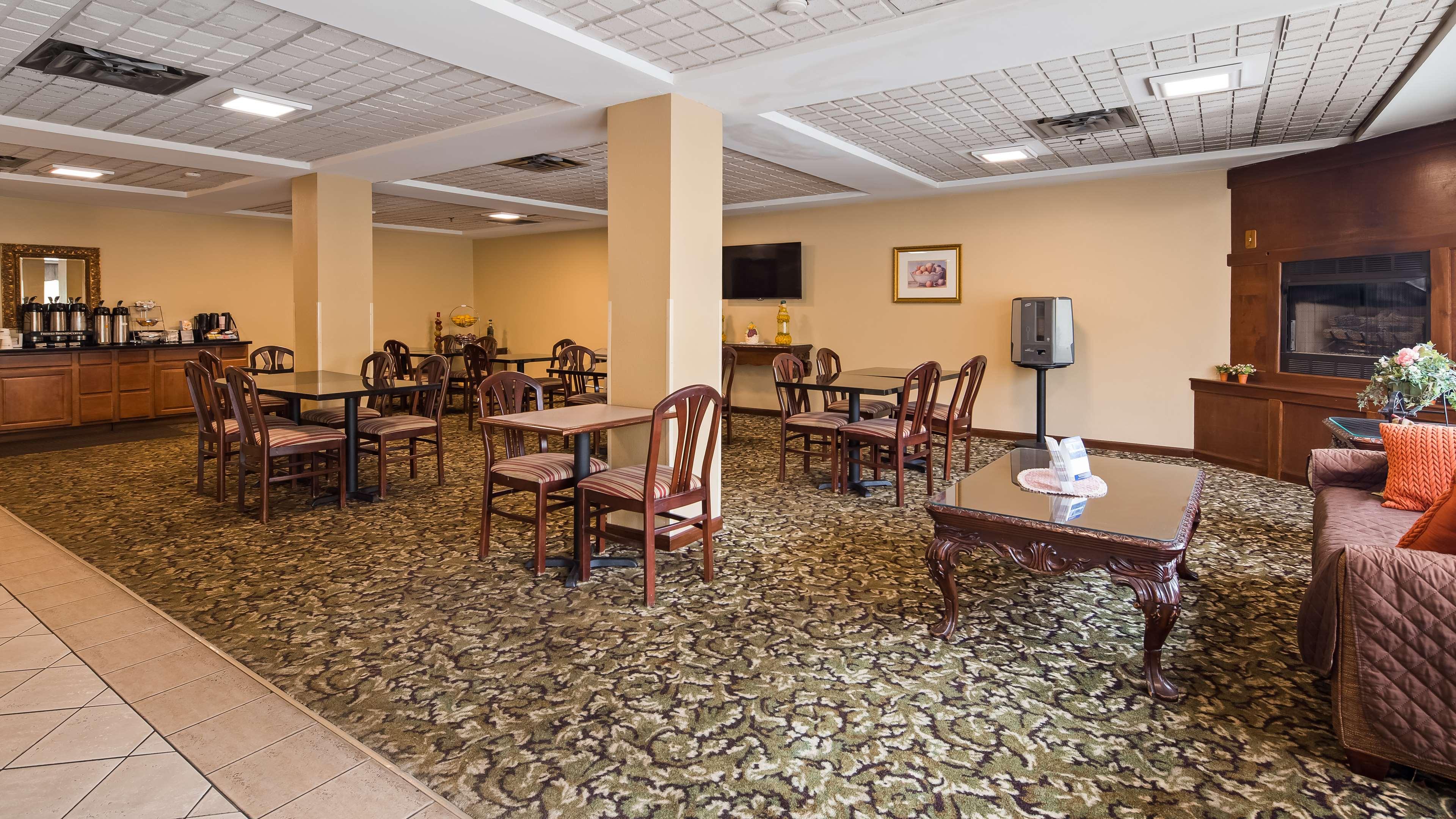 Best Western Executive Suites - Columbus East image 5