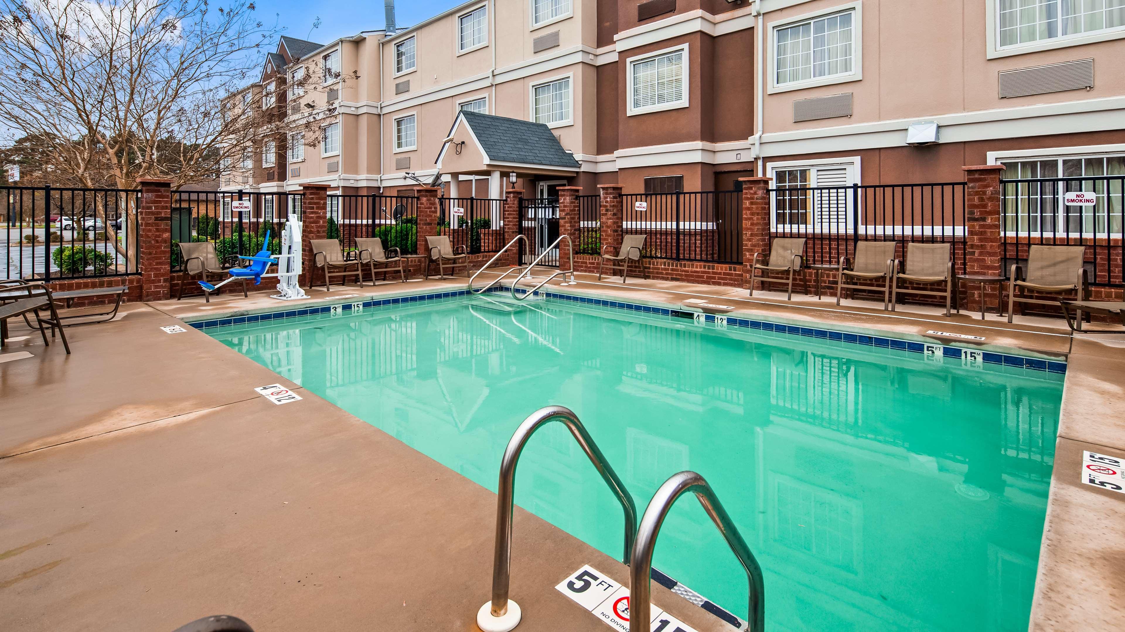 Best Western Plus Elizabeth City Inn & Suites image 5